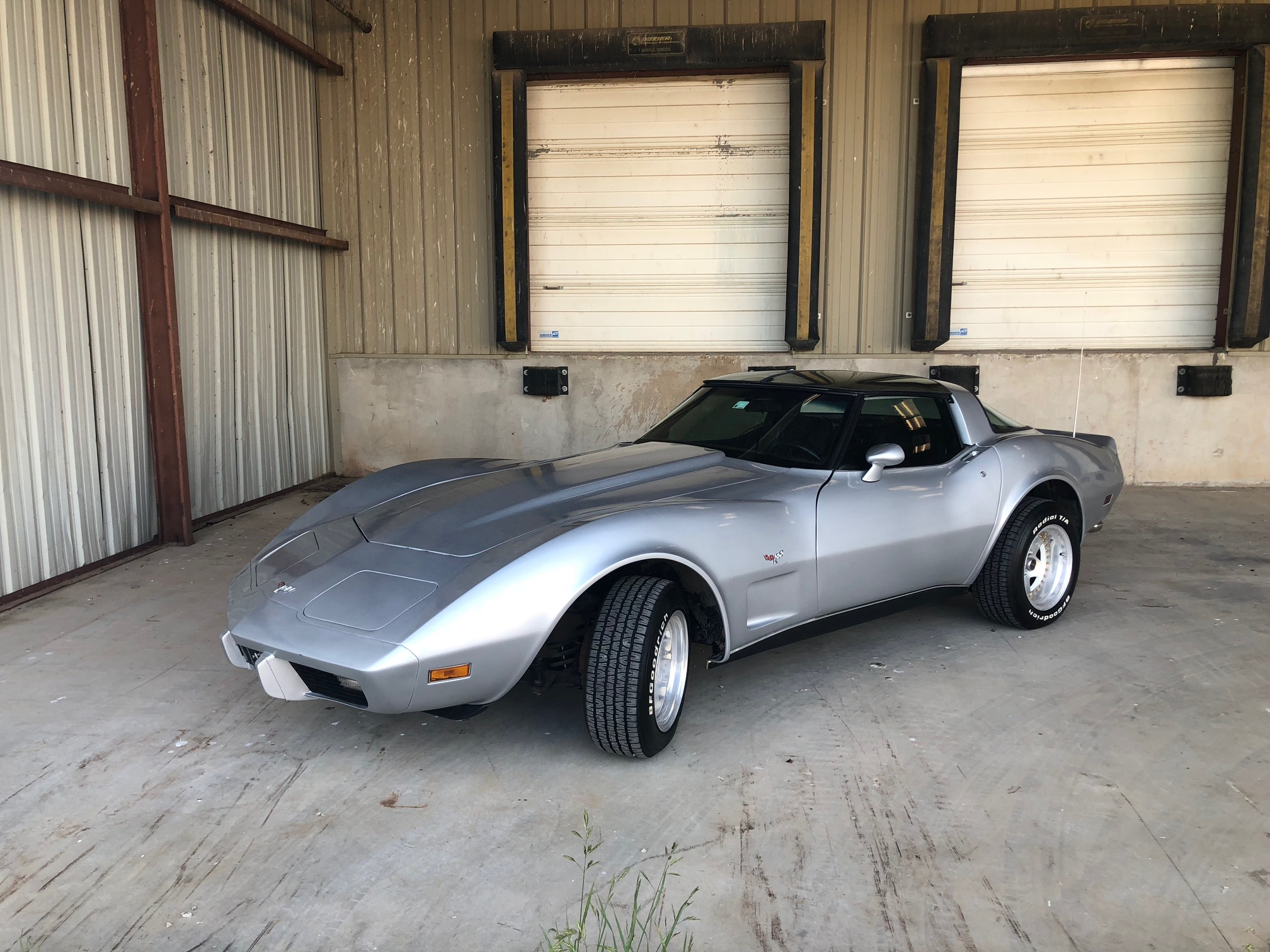 2nd Image of a 1979 CHEVROLET CORVETTE FASTBACK