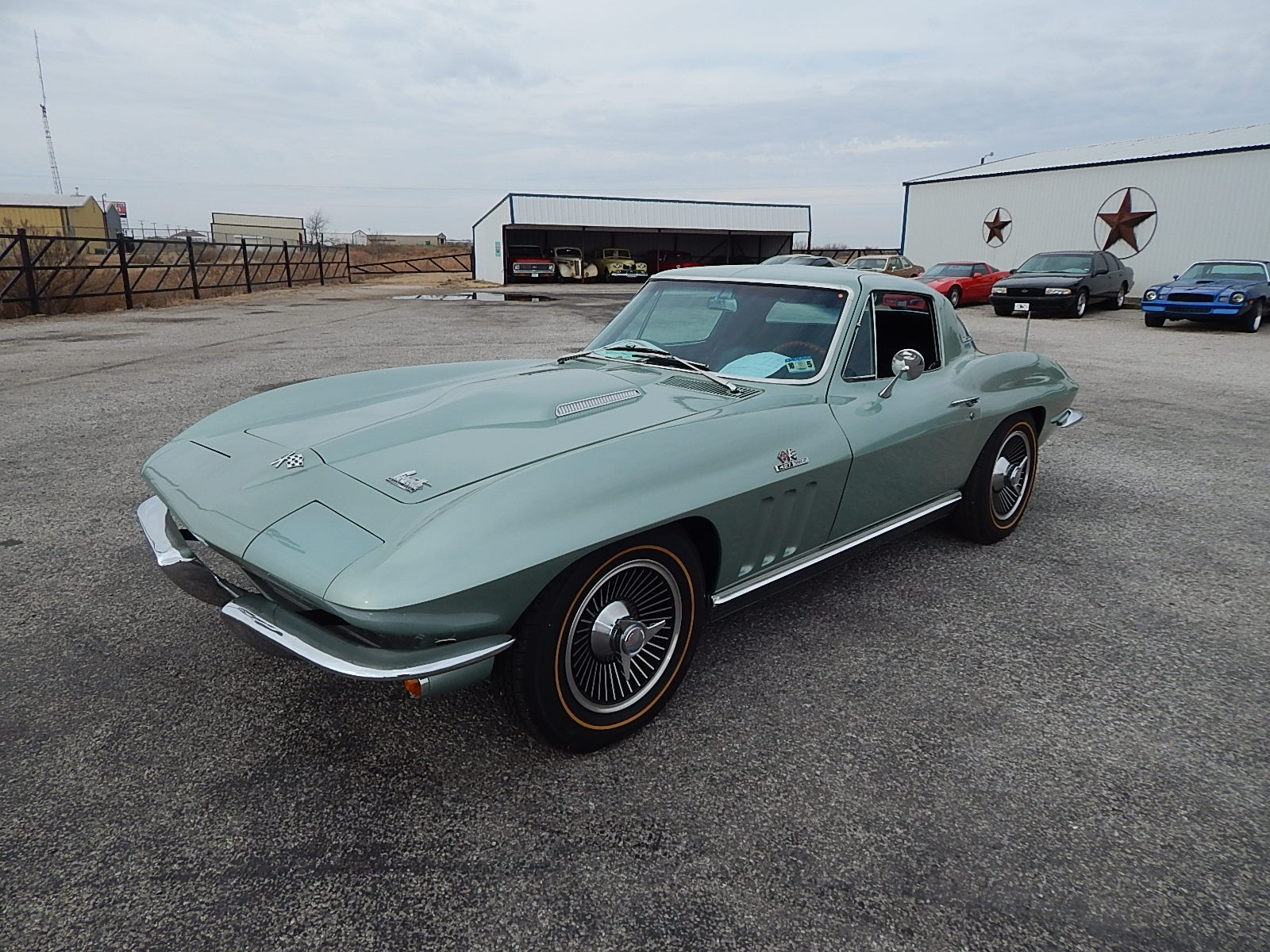 1st Image of a 1966 CHEVROLET CORVETTE STINGRAY