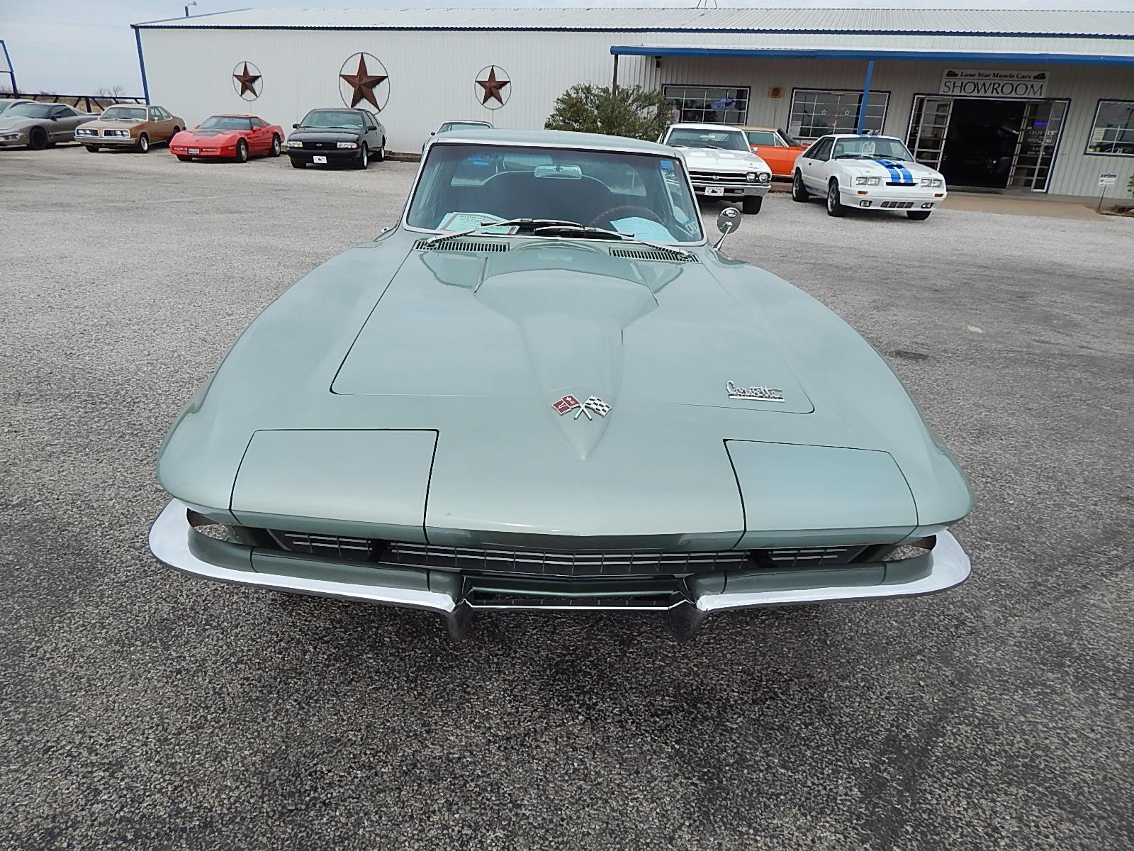 2nd Image of a 1966 CHEVROLET CORVETTE STINGRAY