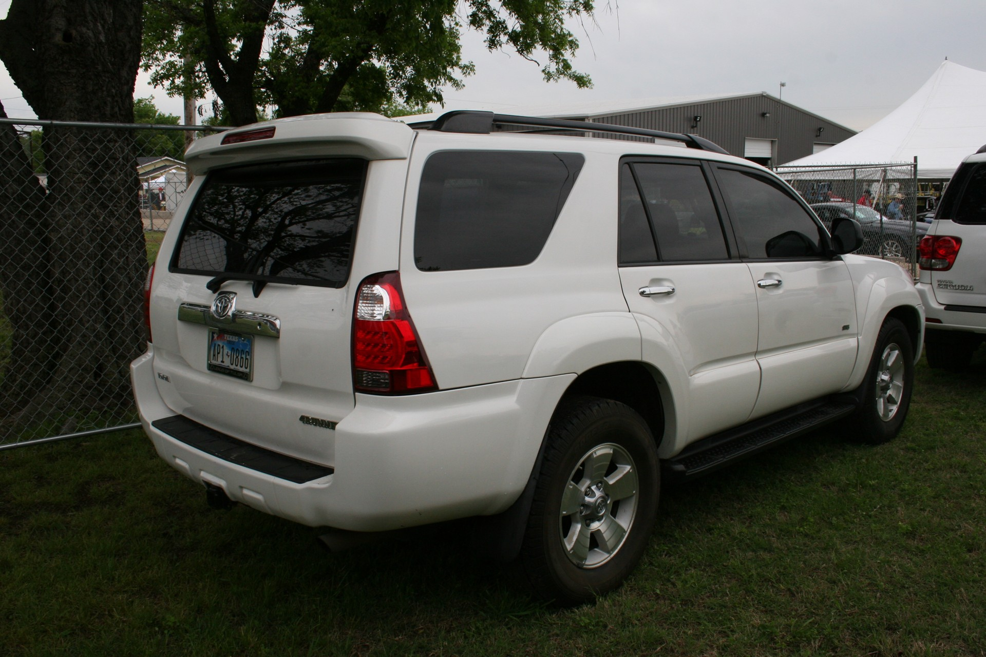 4th Image of a 2008 TOYOTA 4RUNNER SR5