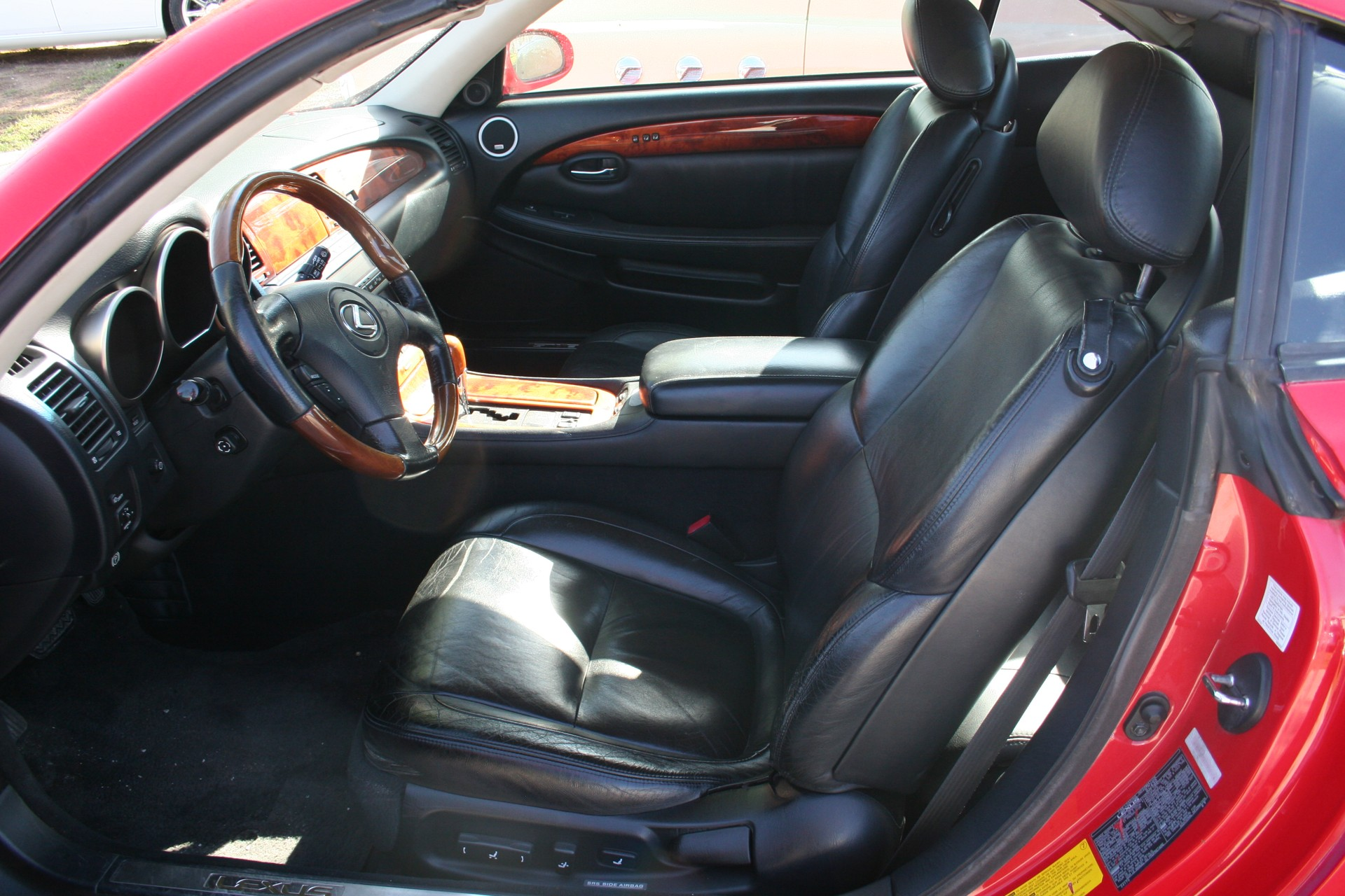 7th Image of a 2002 LEXUS SC 430