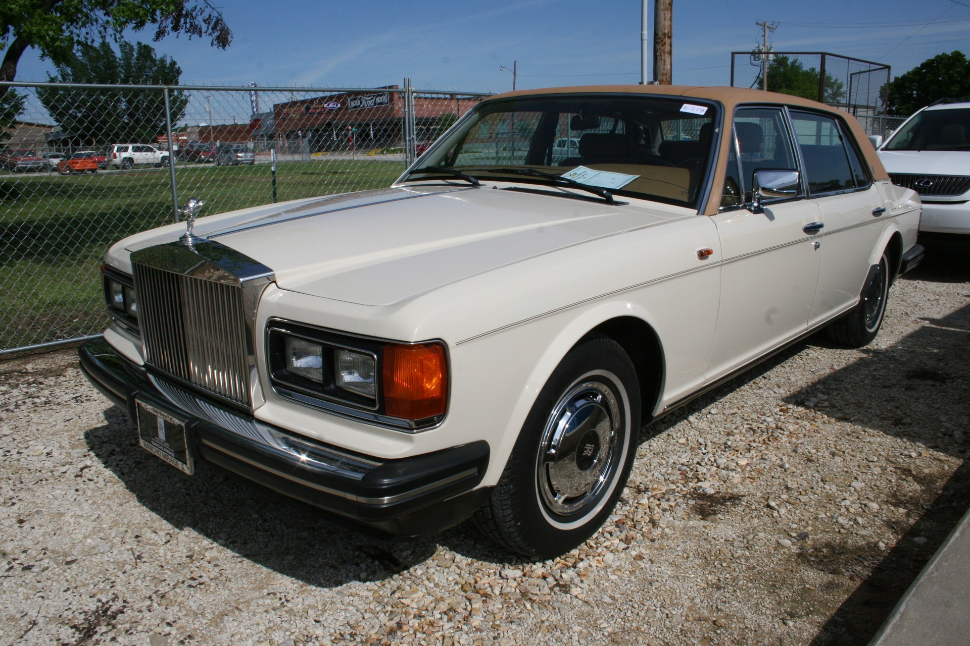 2nd Image of a 1988 ROLLSROYCE SILVER SPUR