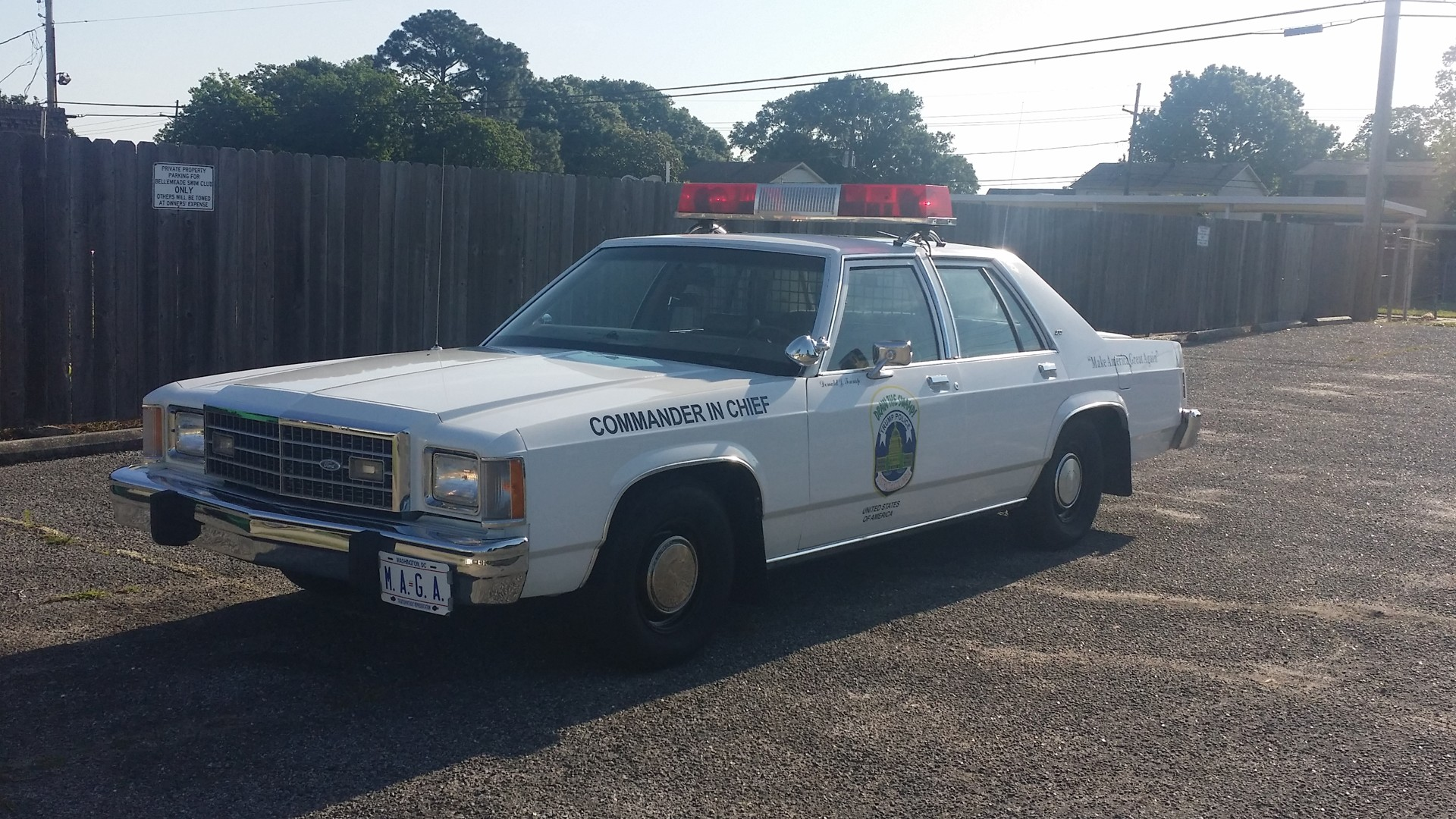 2nd Image of a 1982 FORD LTDS