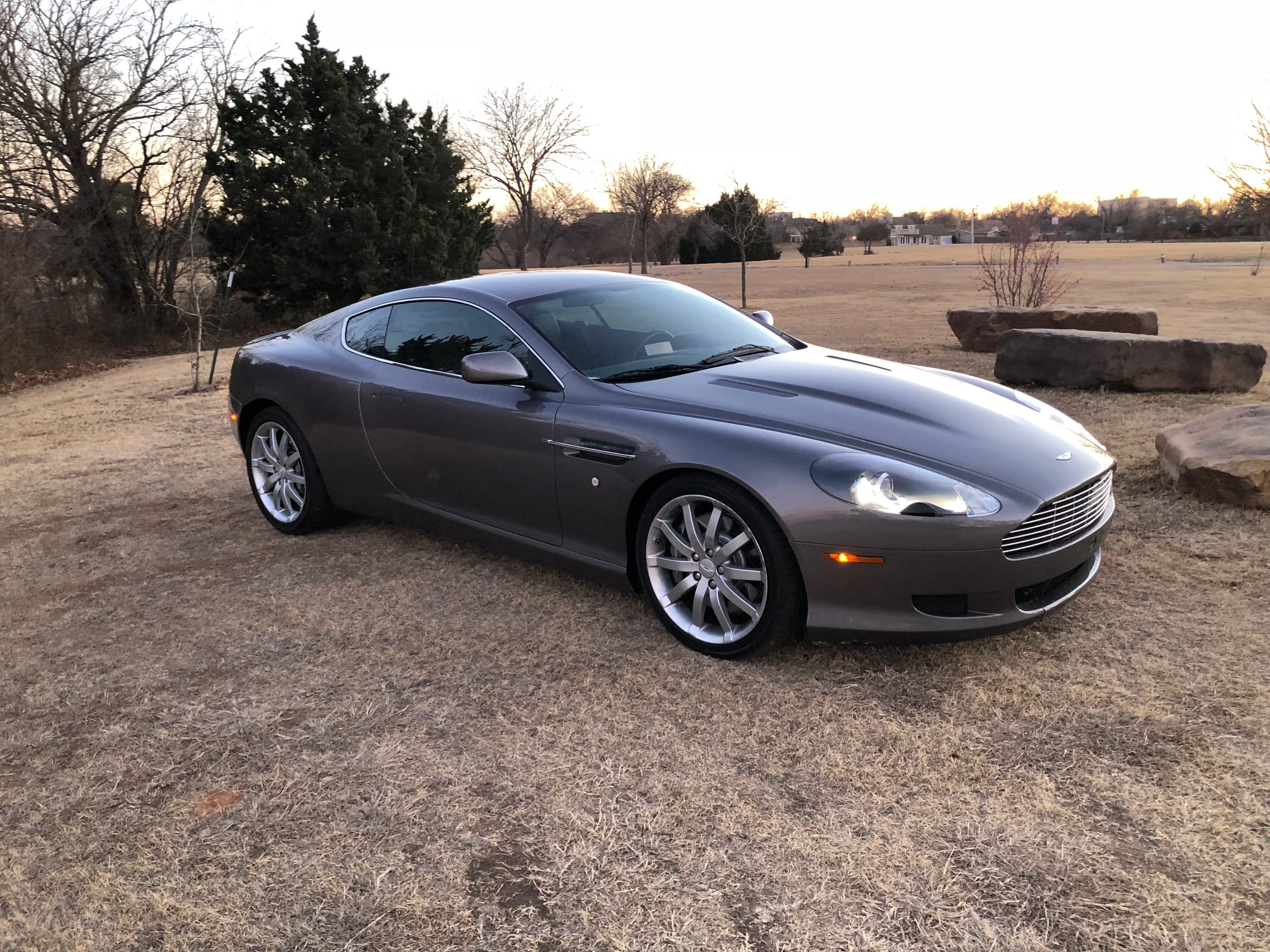 4th Image of a 2005 ASTON MARTIN DB9