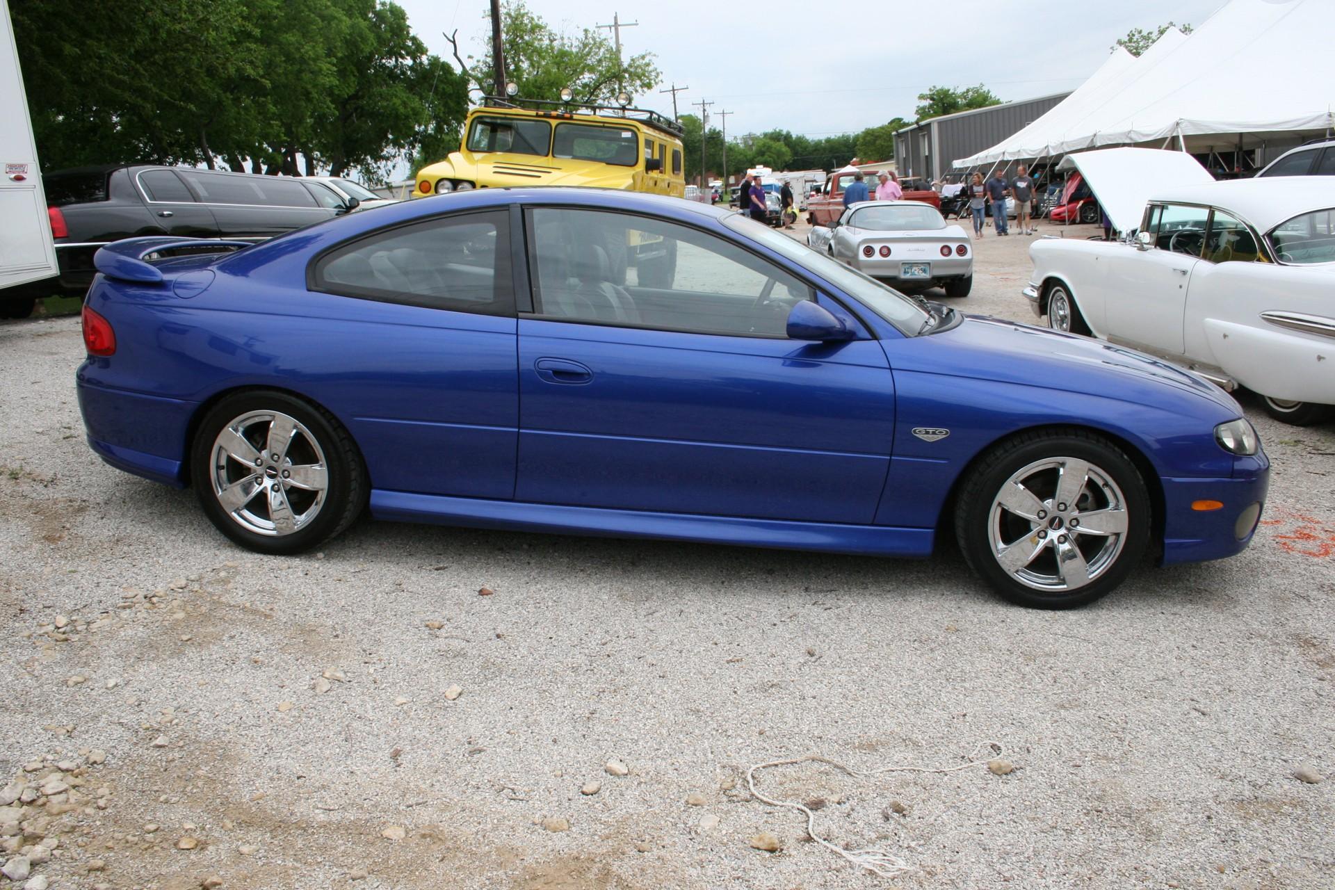 3rd Image of a 2004 PONTIAC GTO