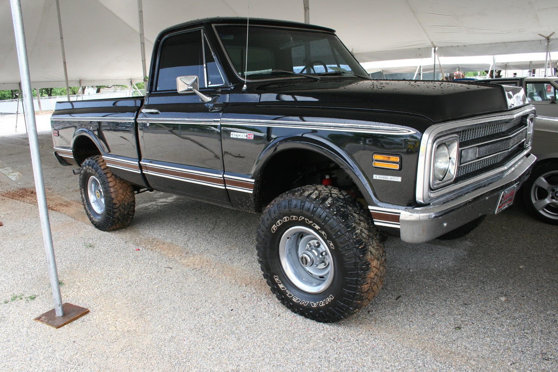 3rd Image of a 1970 CHEVROLET K-10 EDITION