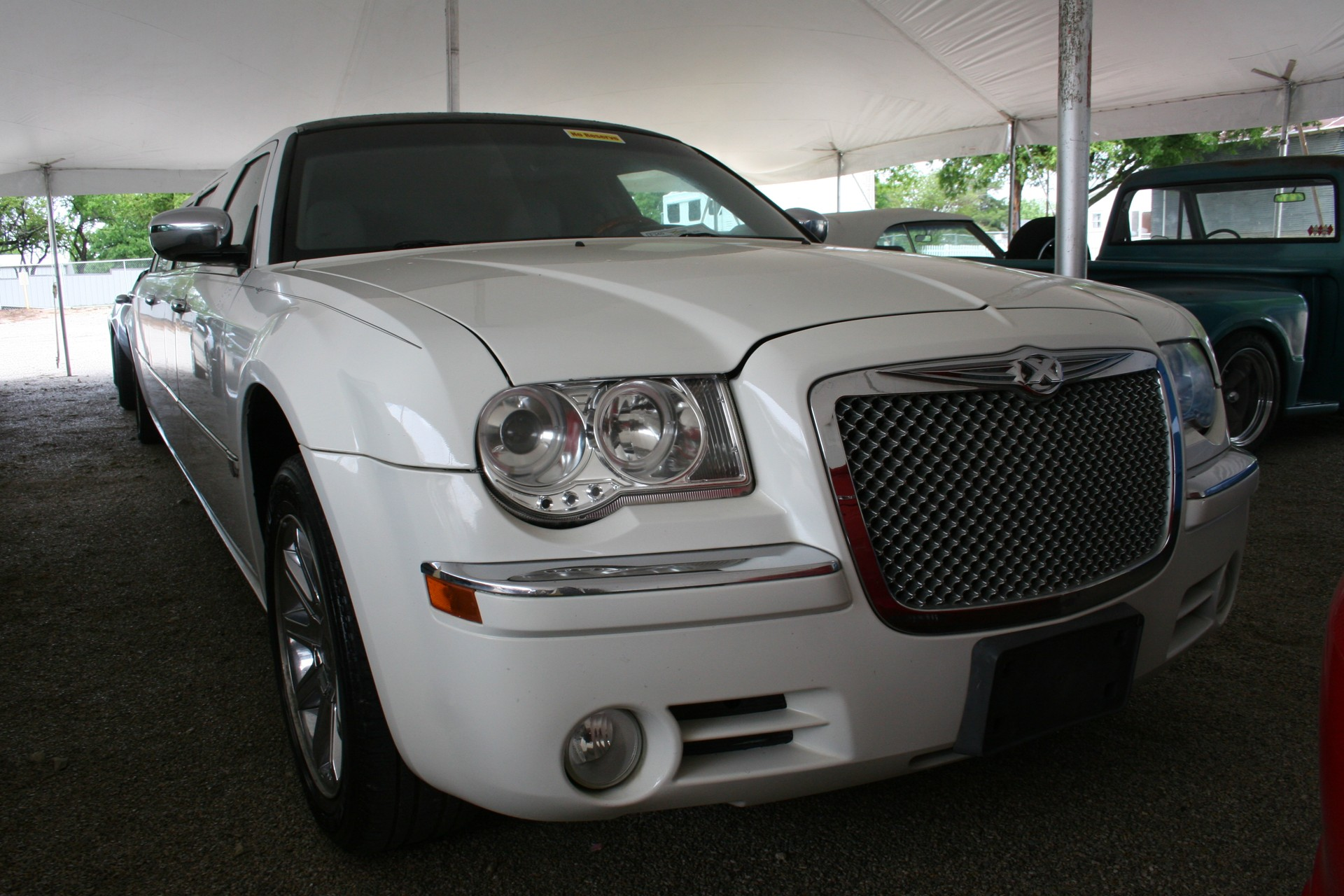 2nd Image of a 2005 CHRYSLER 300 LIMO