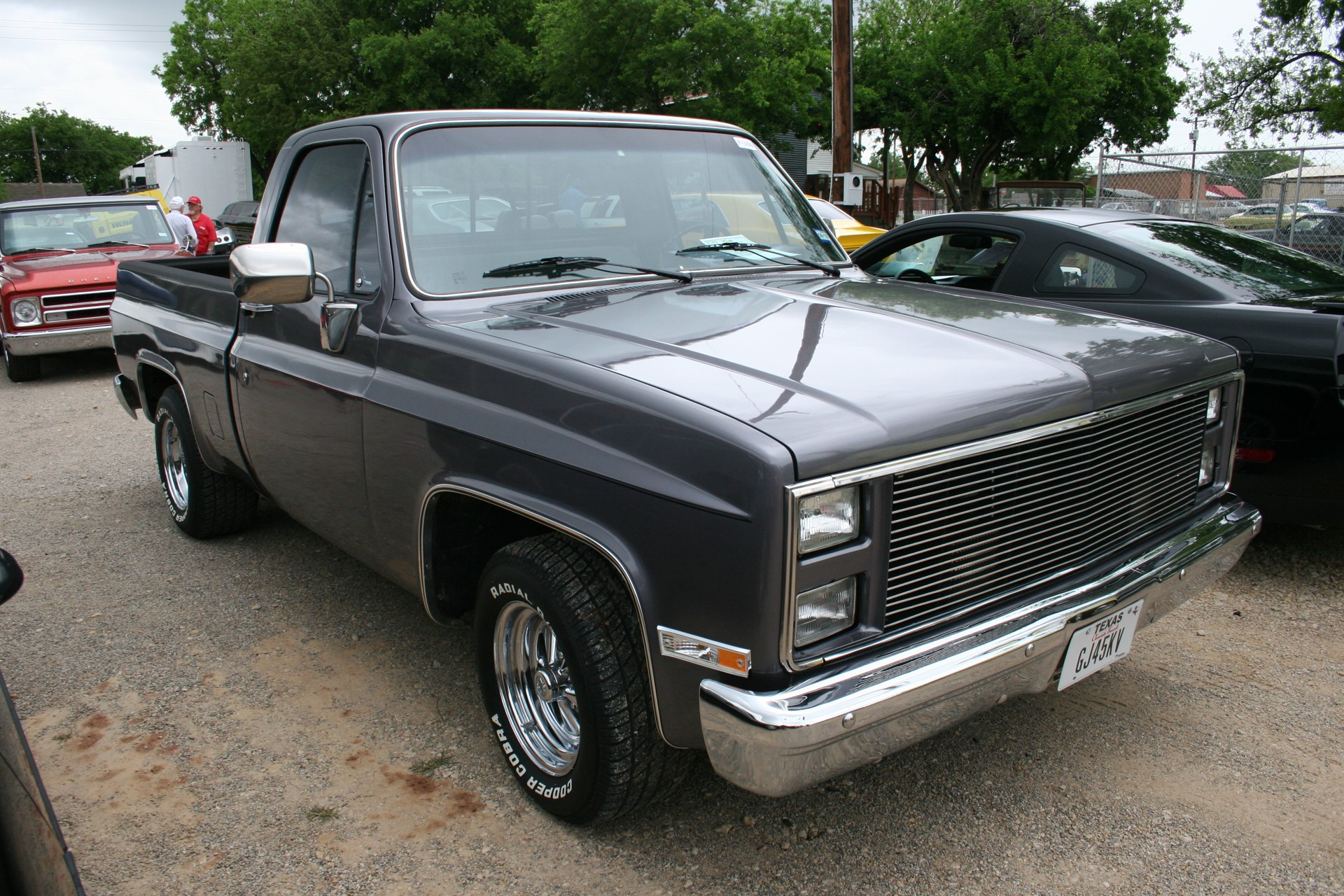2nd Image of a 1986 CHEVROLET C10