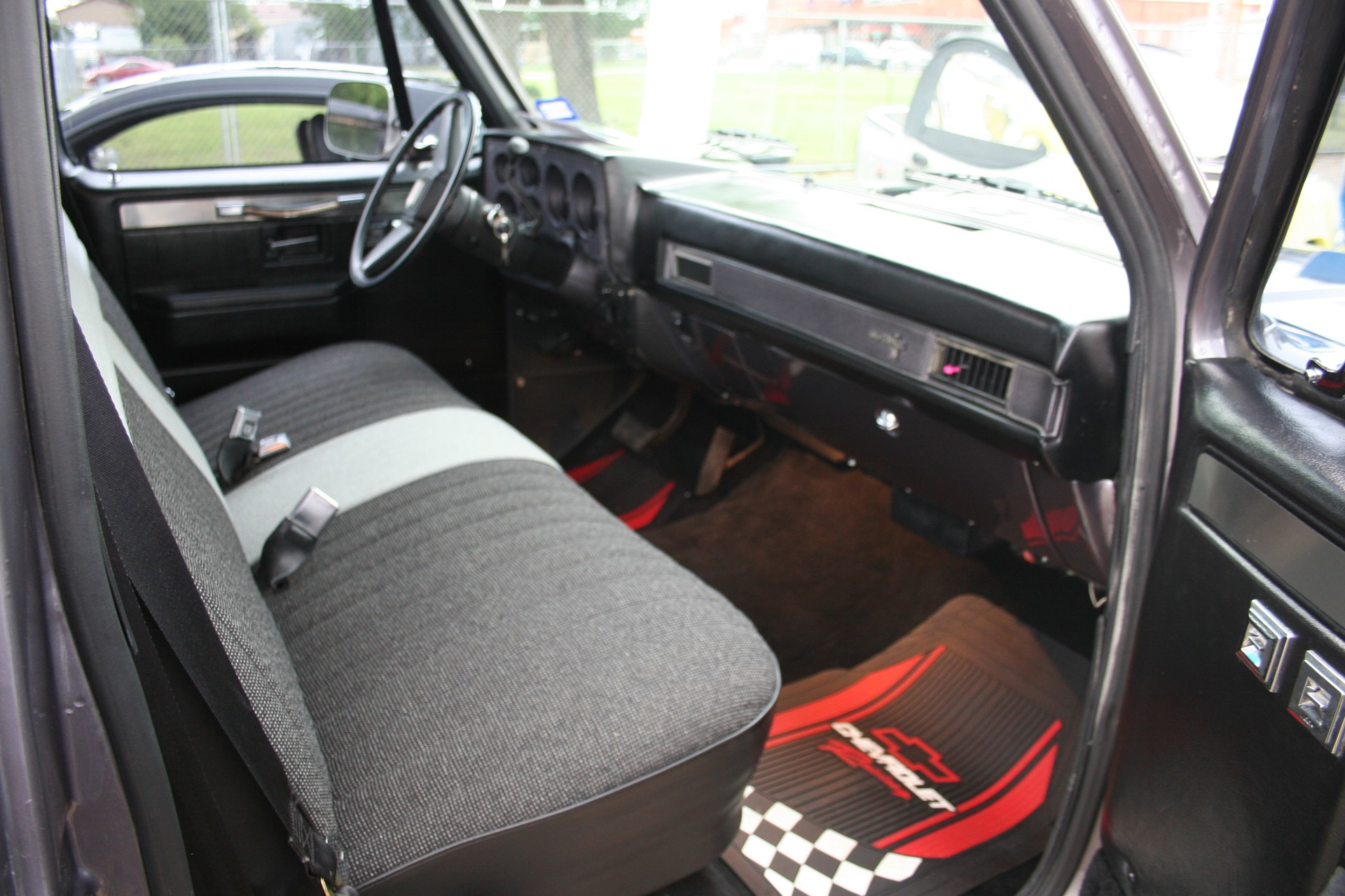 8th Image of a 1986 CHEVROLET C10