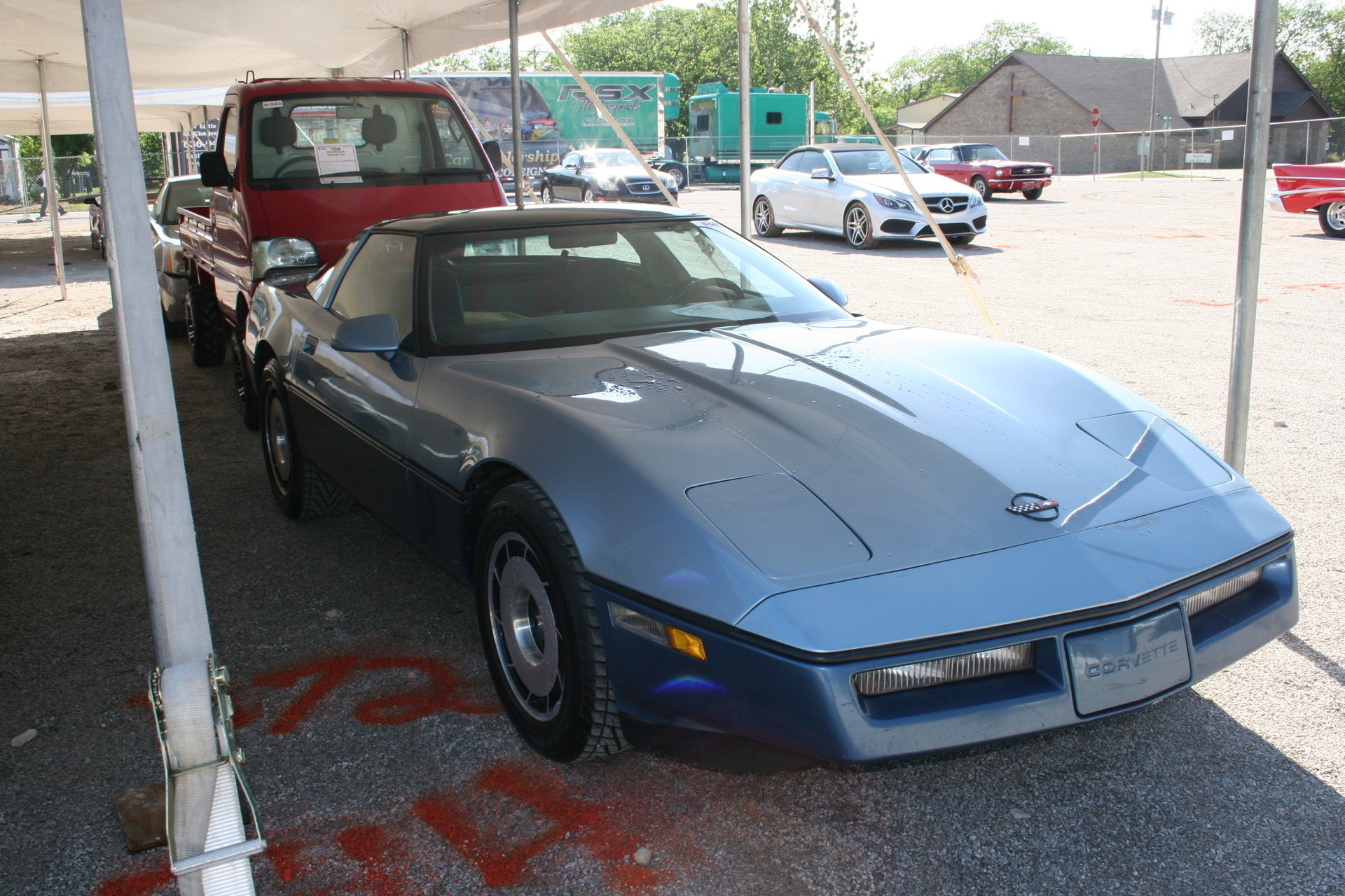 2nd Image of a 1985 CHEVROLET CORVETTE