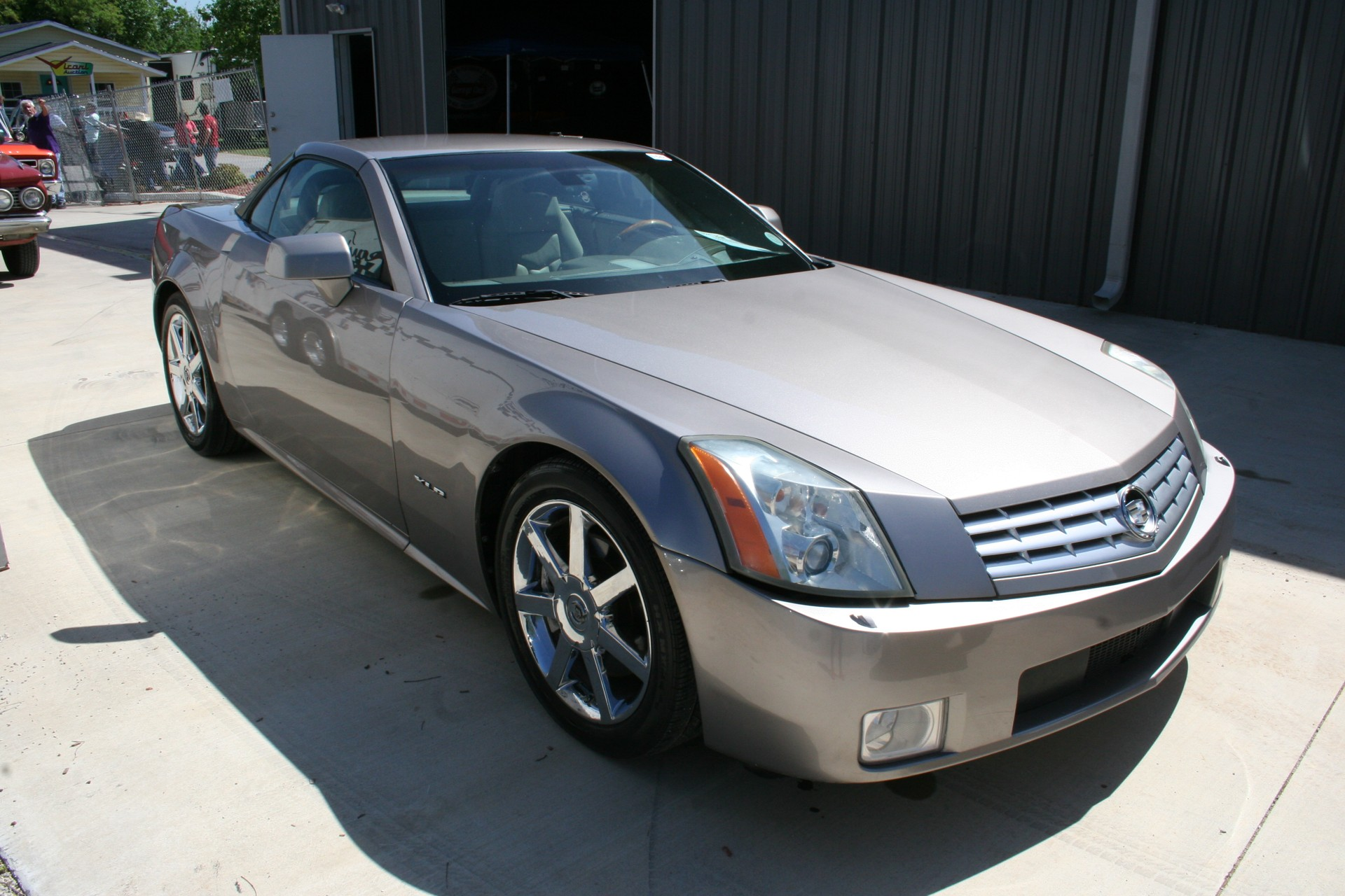 2nd Image of a 2005 CADILLAC XLR ROADSTER