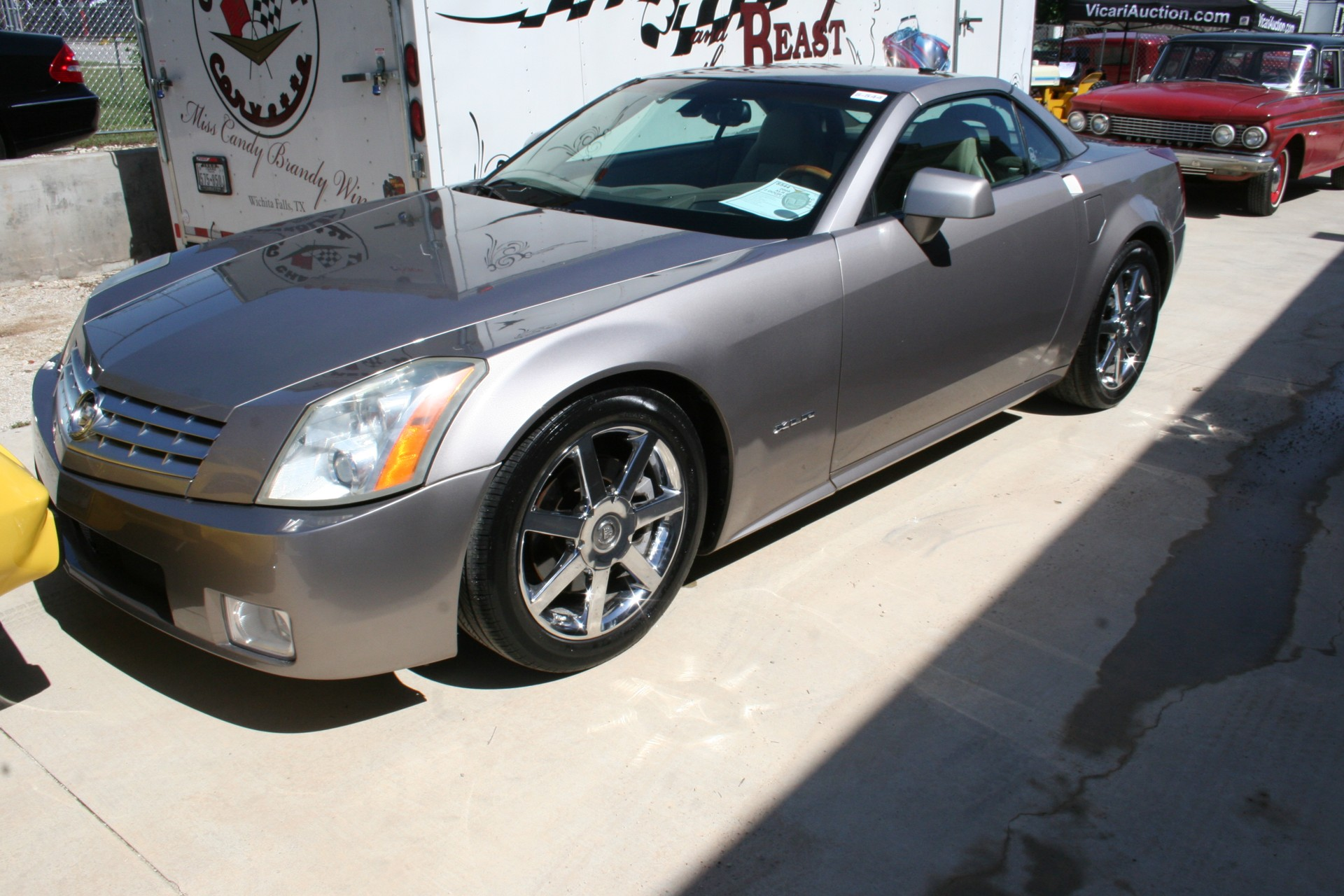 3rd Image of a 2005 CADILLAC XLR ROADSTER