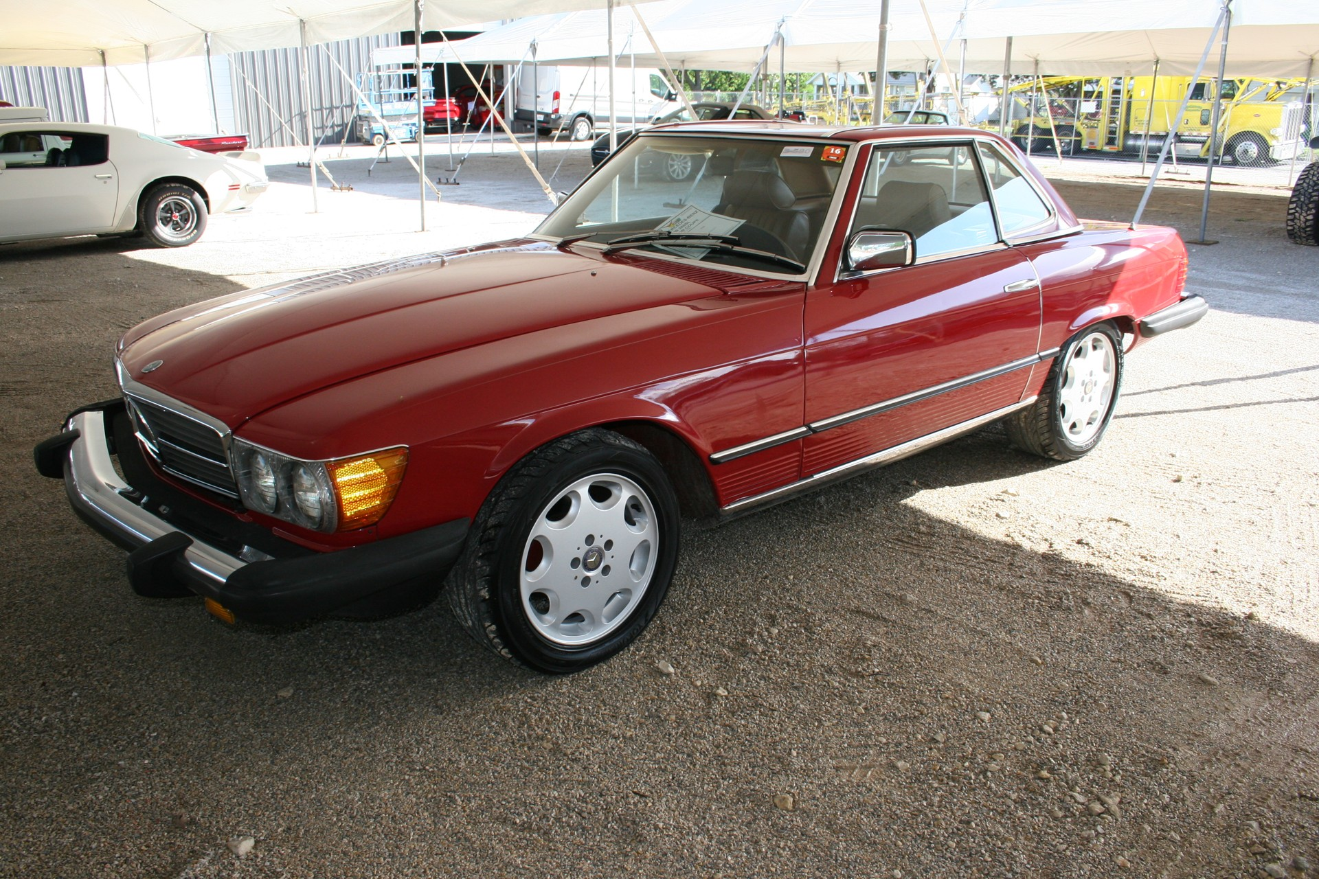 2nd Image of a 1982 MERCEDES-BENZ 380 380SL