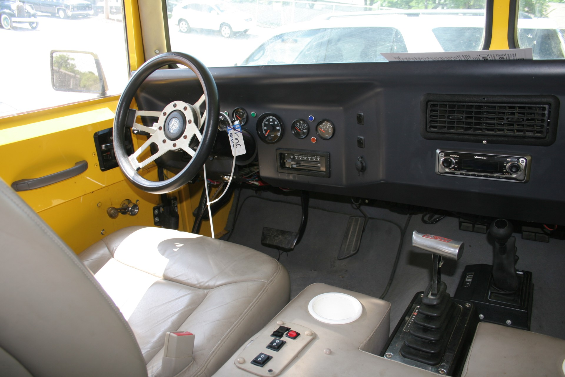 7th Image of a 1985 CHEVROLET SUBURBAN CONVERSION