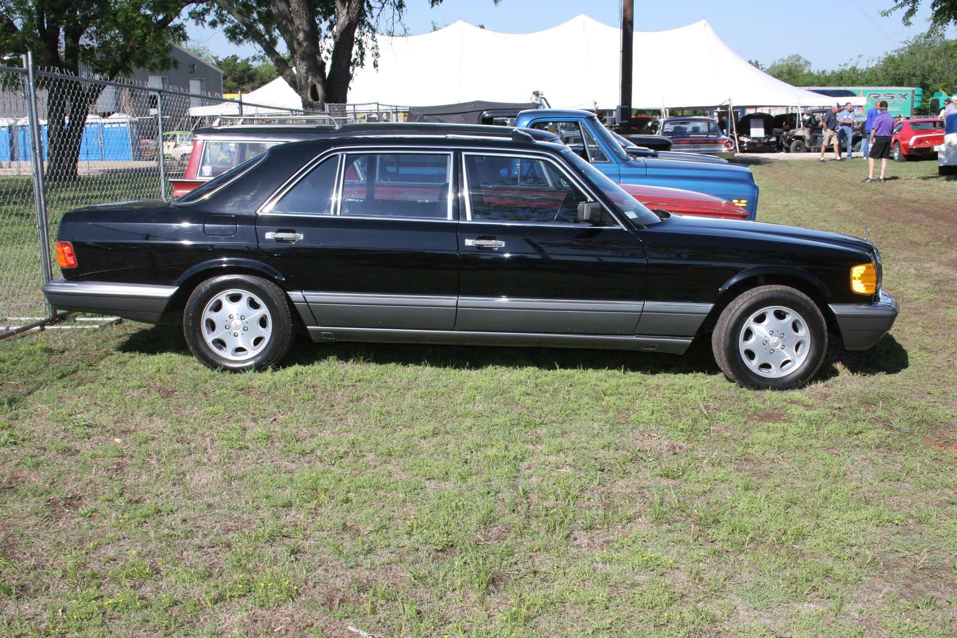 3rd Image of a 1990 MERCEDES-BENZ 560 560SEL