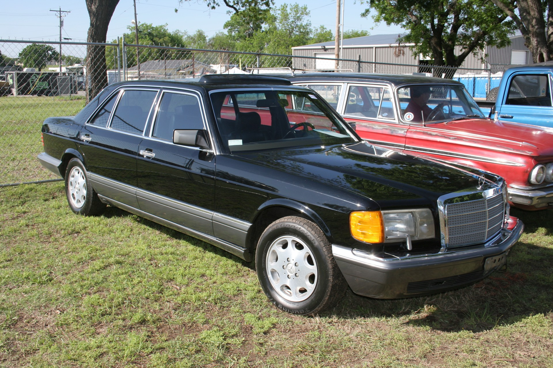 11th Image of a 1990 MERCEDES-BENZ 560 560SEL