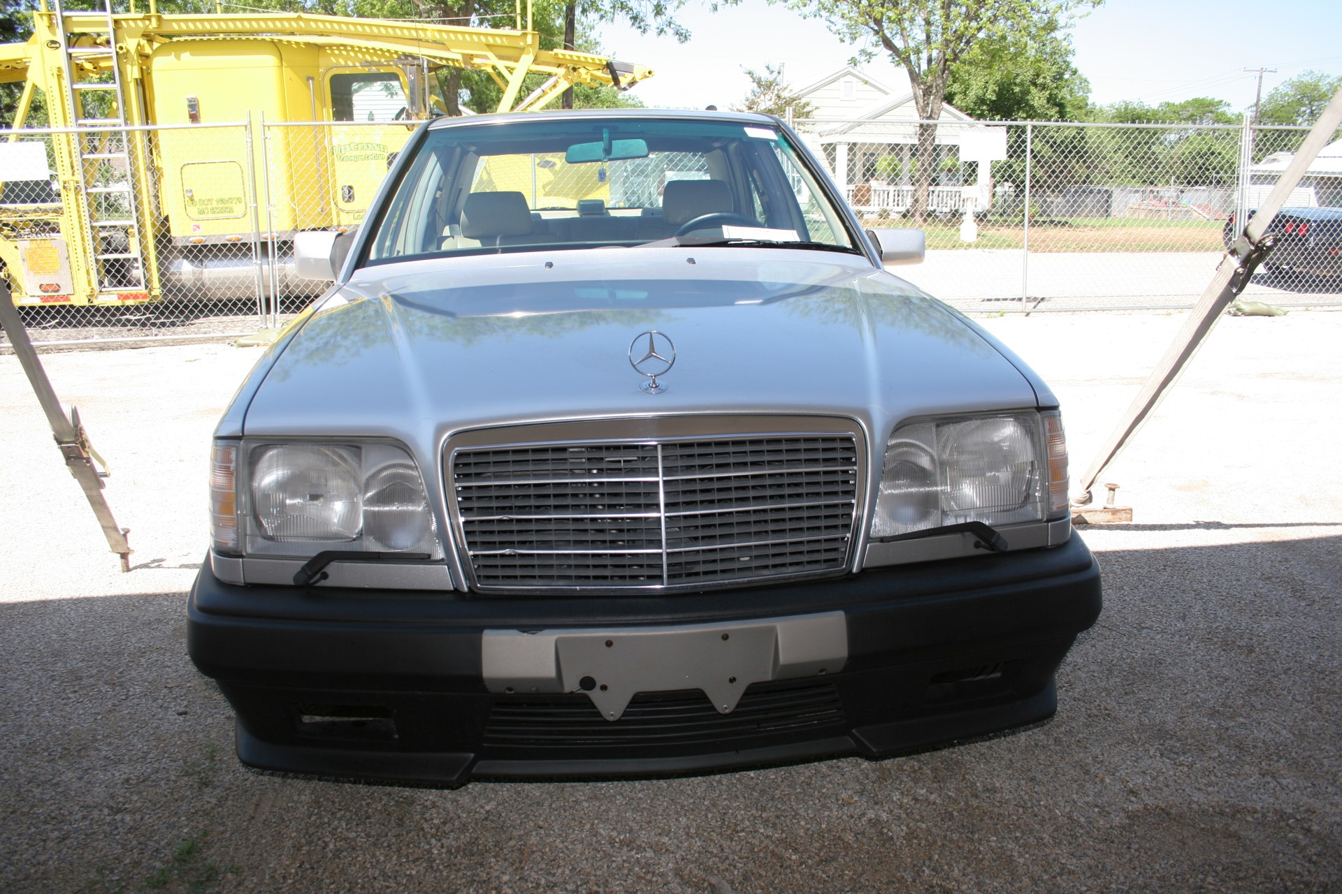 2nd Image of a 1995 MERCEDES-BENZ E420