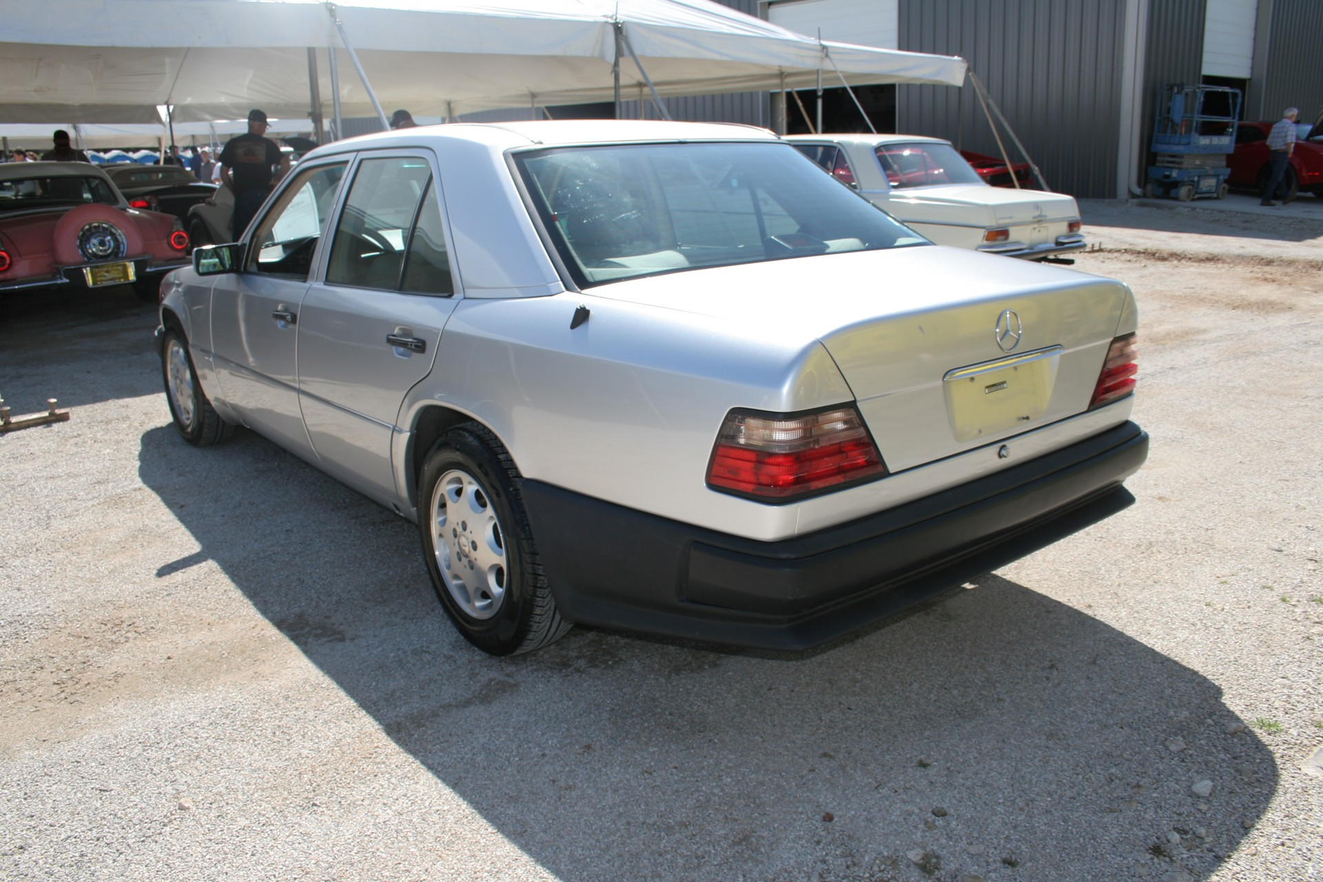 5th Image of a 1995 MERCEDES-BENZ E420