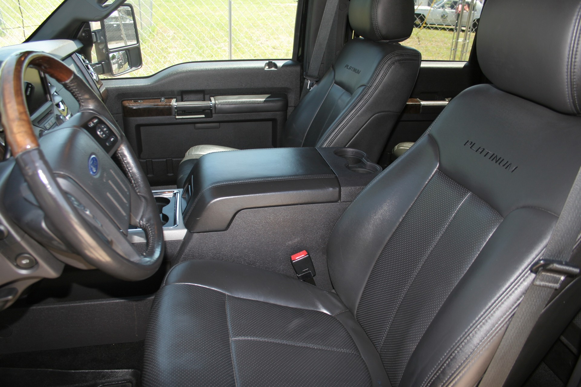 7th Image of a 2013 FORD F-250 SUPER DUTY