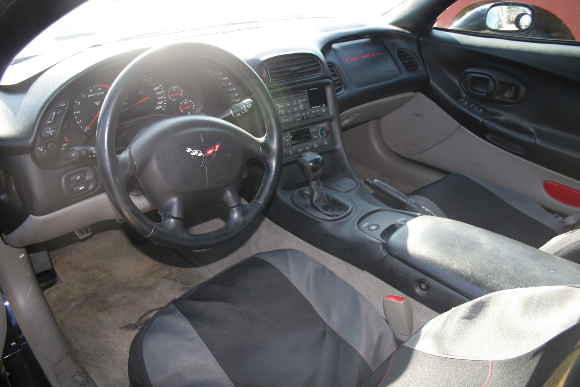 5th Image of a 2001 CHEVROLET CORVETTE
