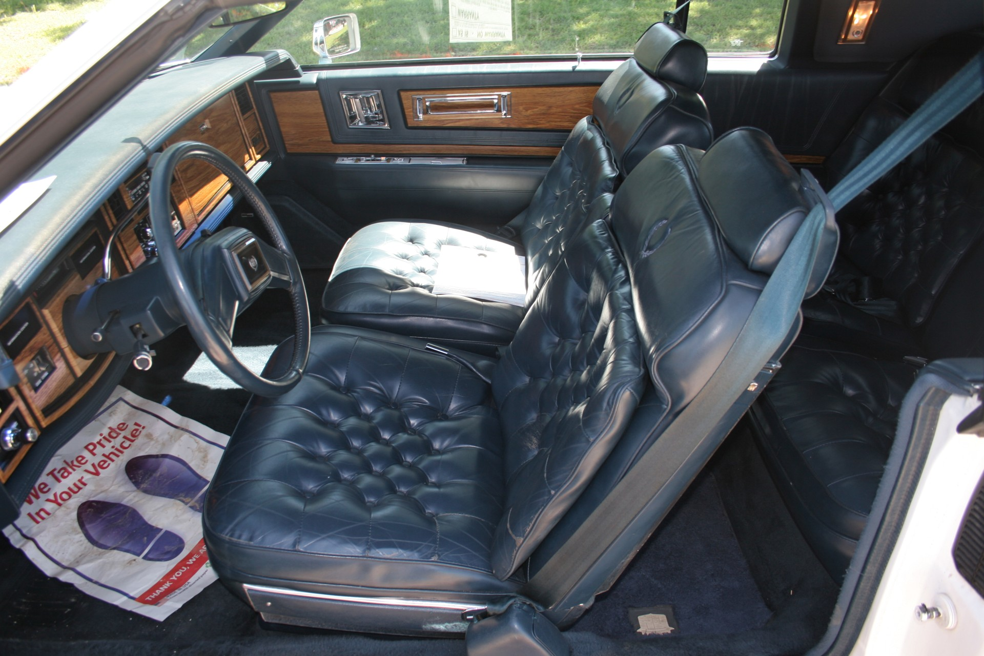 7th Image of a 1985 CADILLAC ELDORADO