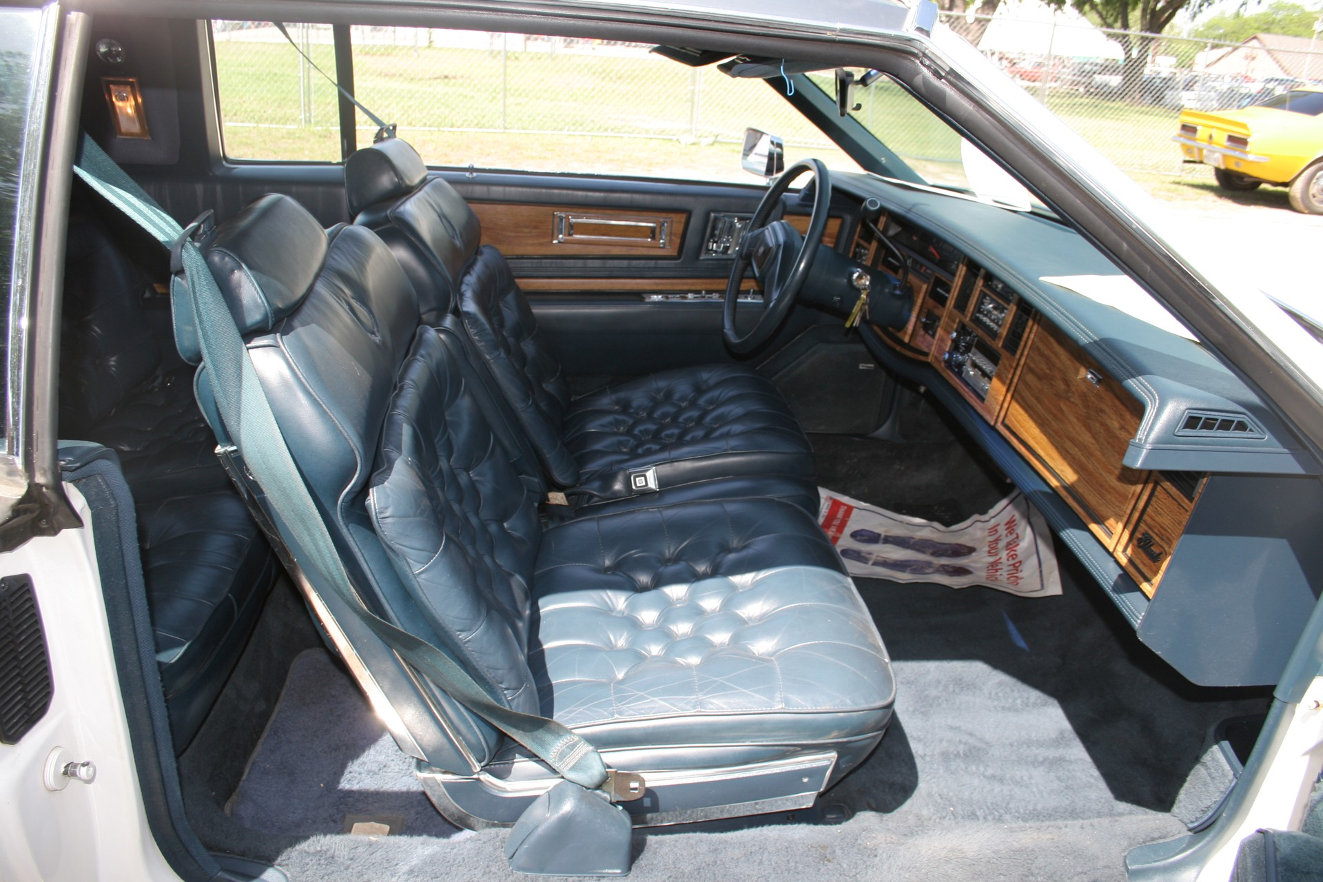 8th Image of a 1985 CADILLAC ELDORADO