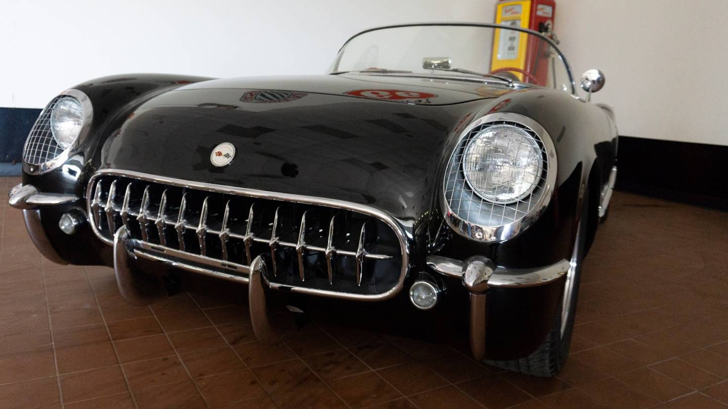 9th Image of a 1954 CHEVROLET CORVETTE RESTO MOD