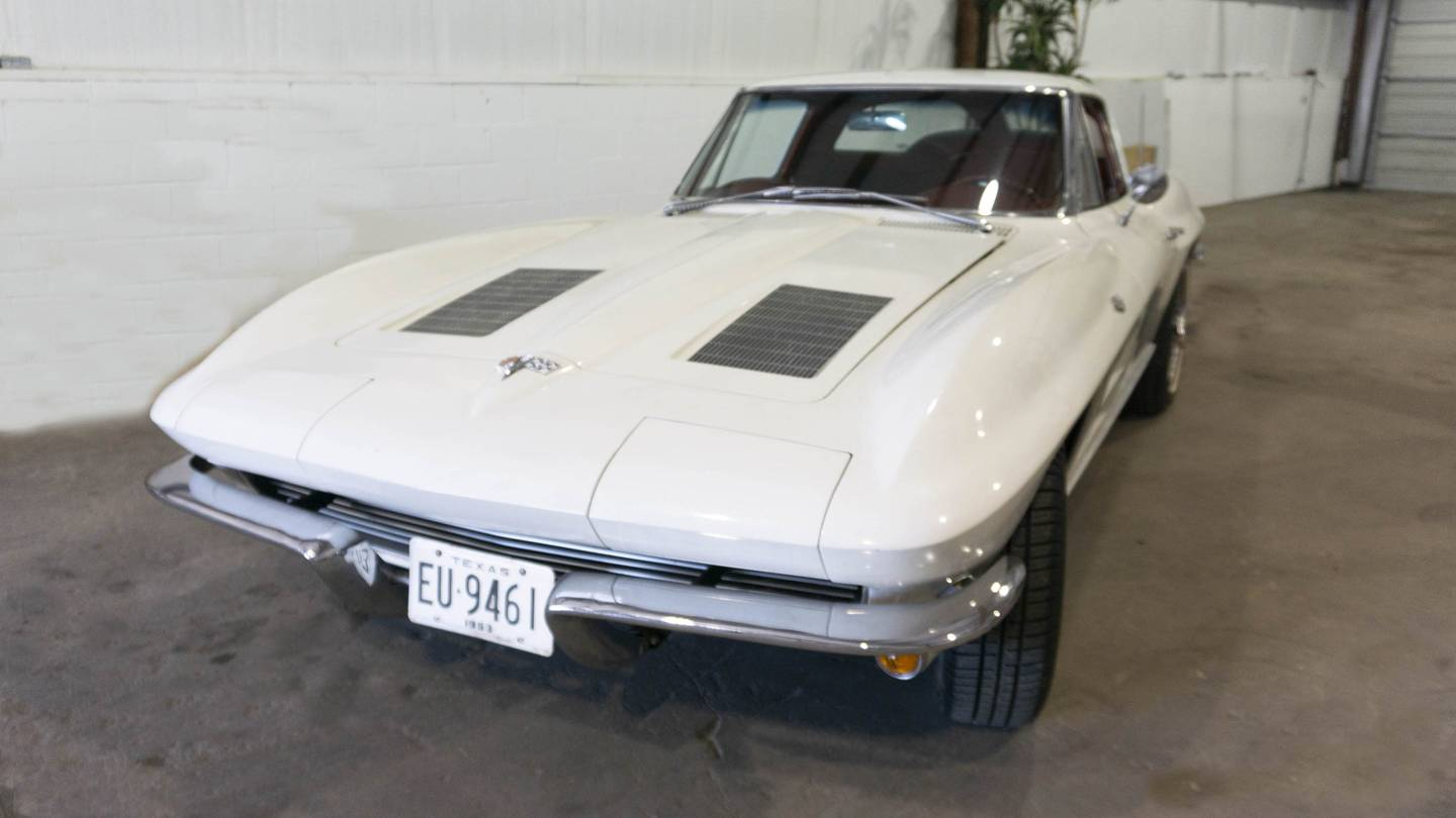 1st Image of a 1963 CHEVROLET CORVETTE