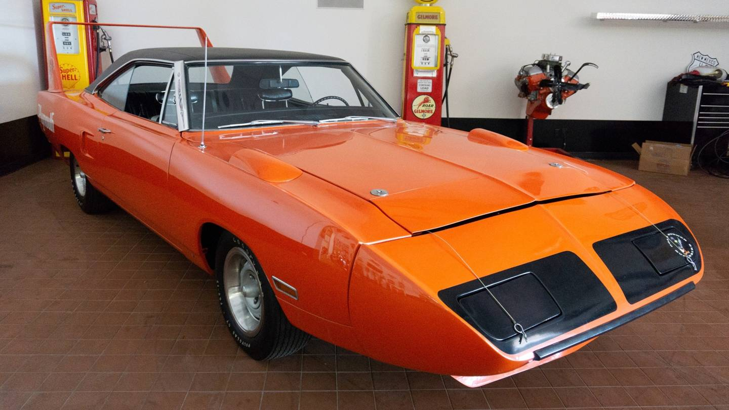 3rd Image of a 1970 PLYMOUTH SUPERBIRD