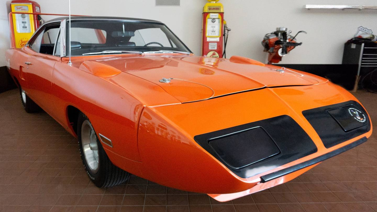 4th Image of a 1970 PLYMOUTH SUPERBIRD
