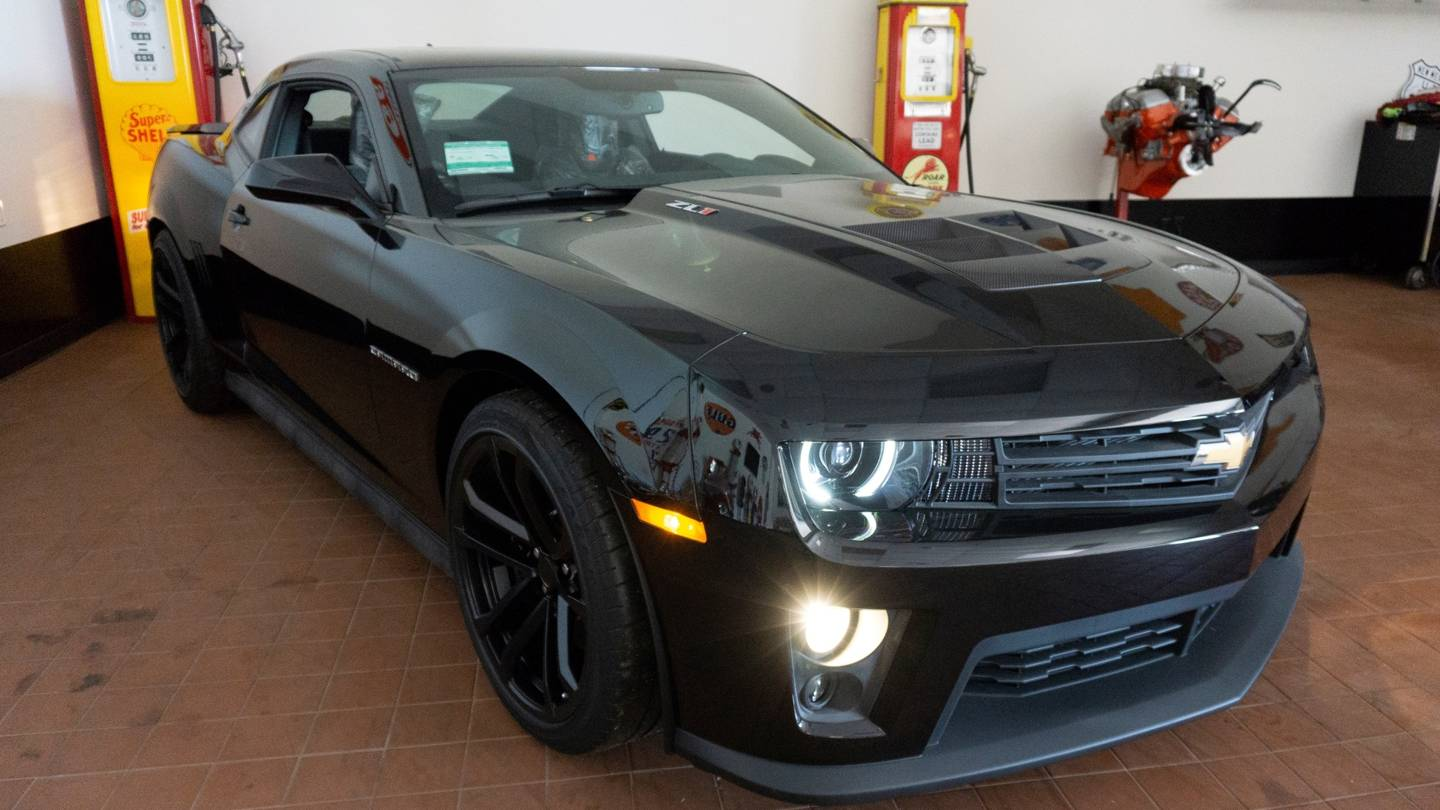 2nd Image of a 2012 CHEVROLET CAMARO ZL1