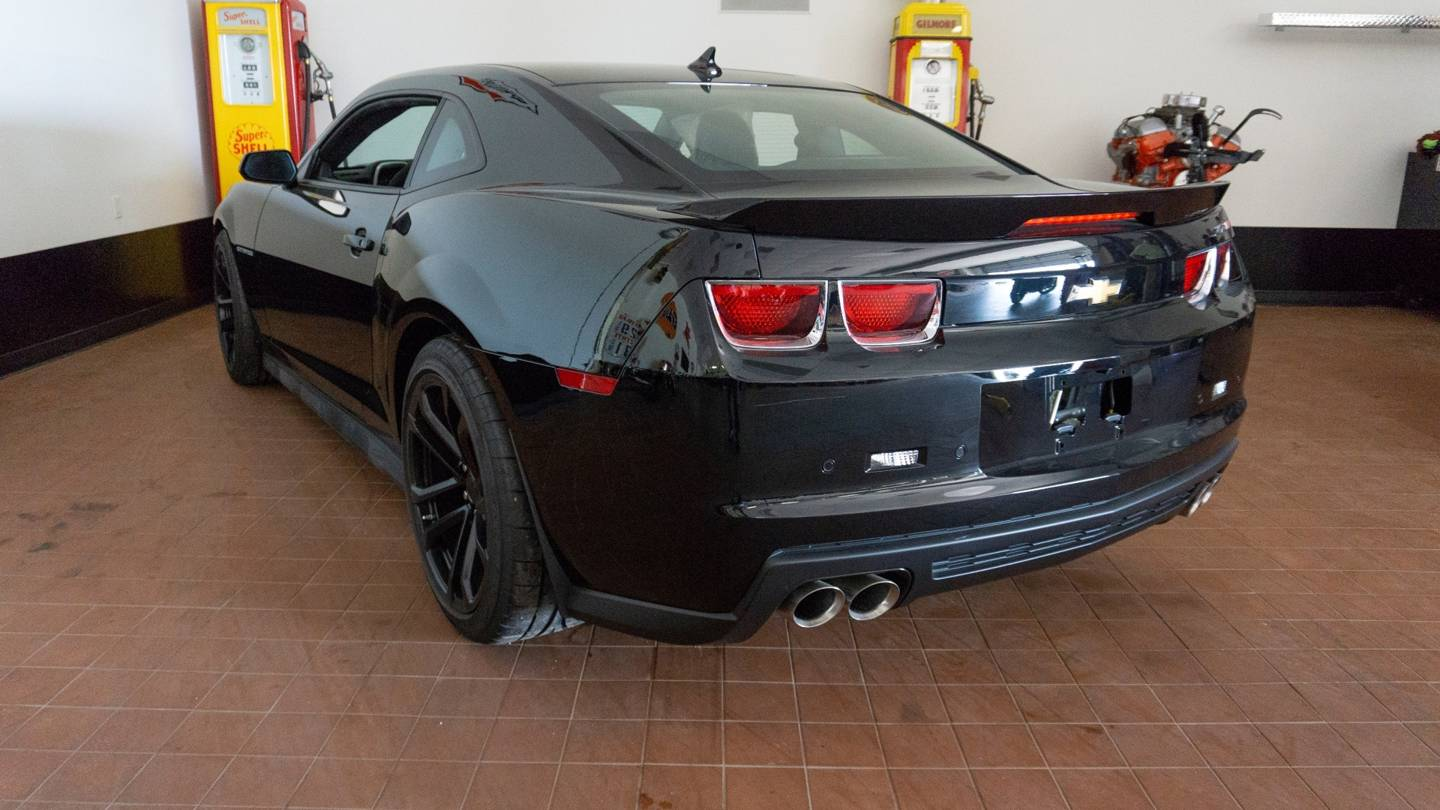 3rd Image of a 2012 CHEVROLET CAMARO ZL1