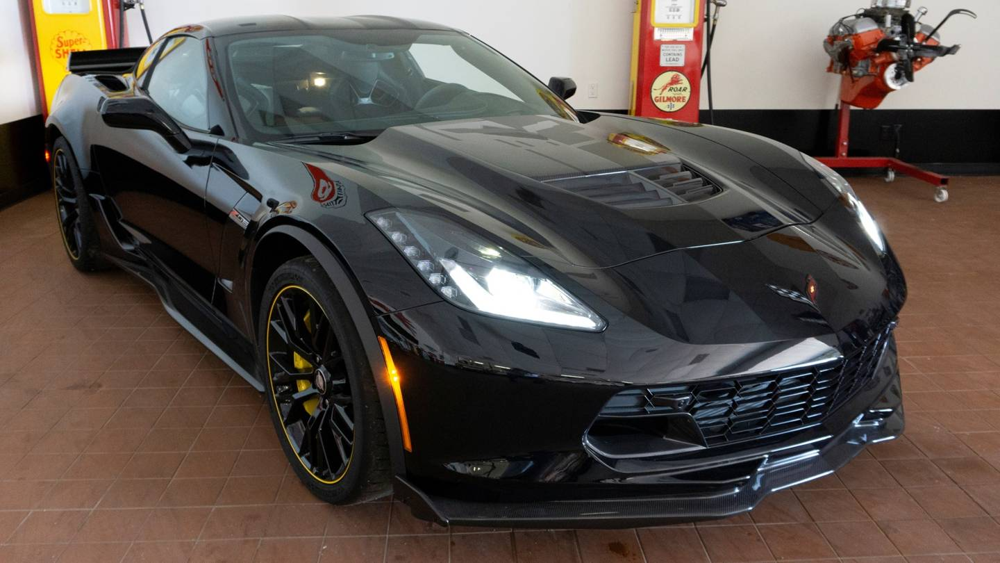 6th Image of a 2016 CHEVROLET CORVETTE C7R
