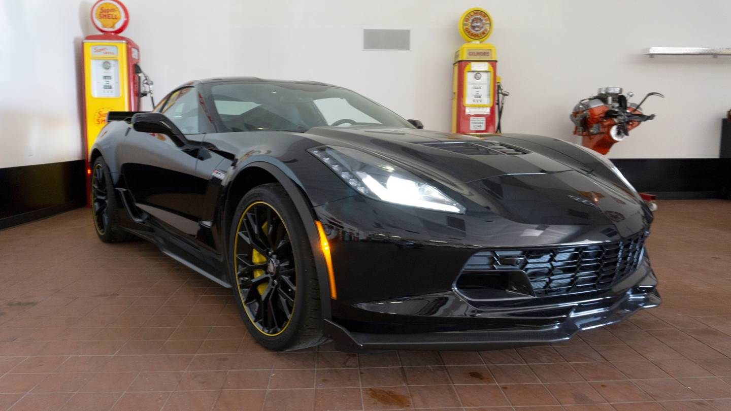 8th Image of a 2016 CHEVROLET CORVETTE C7R