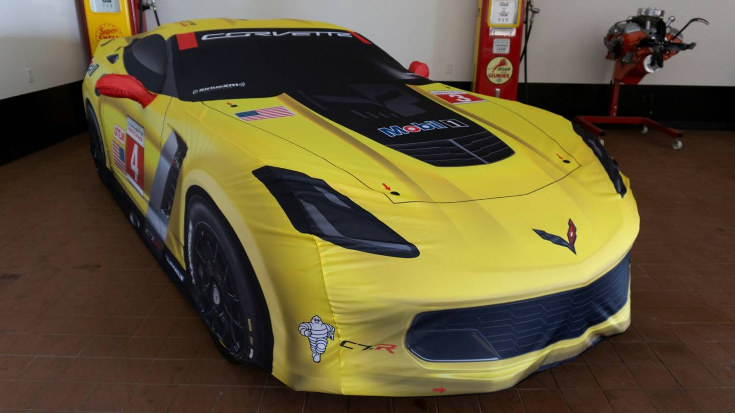 2nd Image of a 2016 CHEVROLET CORVETTE C7R