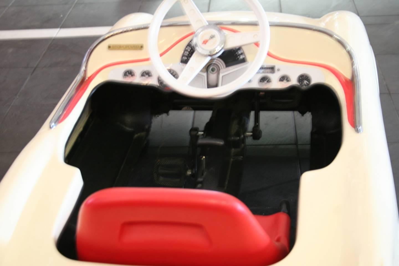 4th Image of a 1953 CHEVROLET CORVETTE PEDDLE CAR