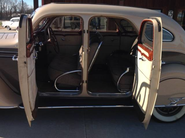 8th Image of a 1935 DESOTO AIRFLOW