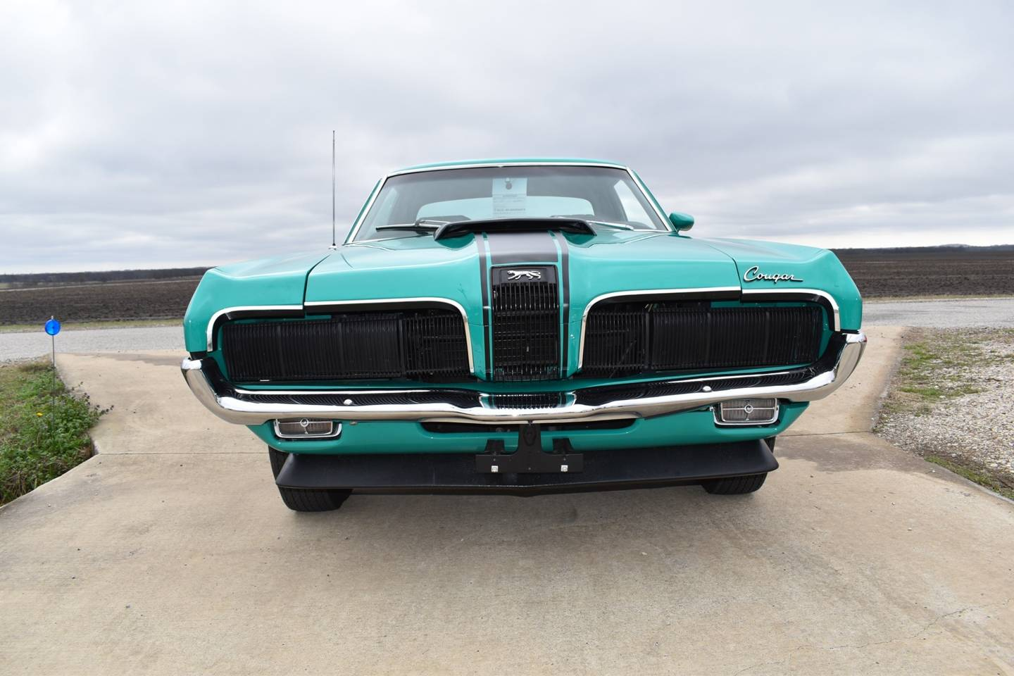 2nd Image of a 1970 MERCURY COUGAR