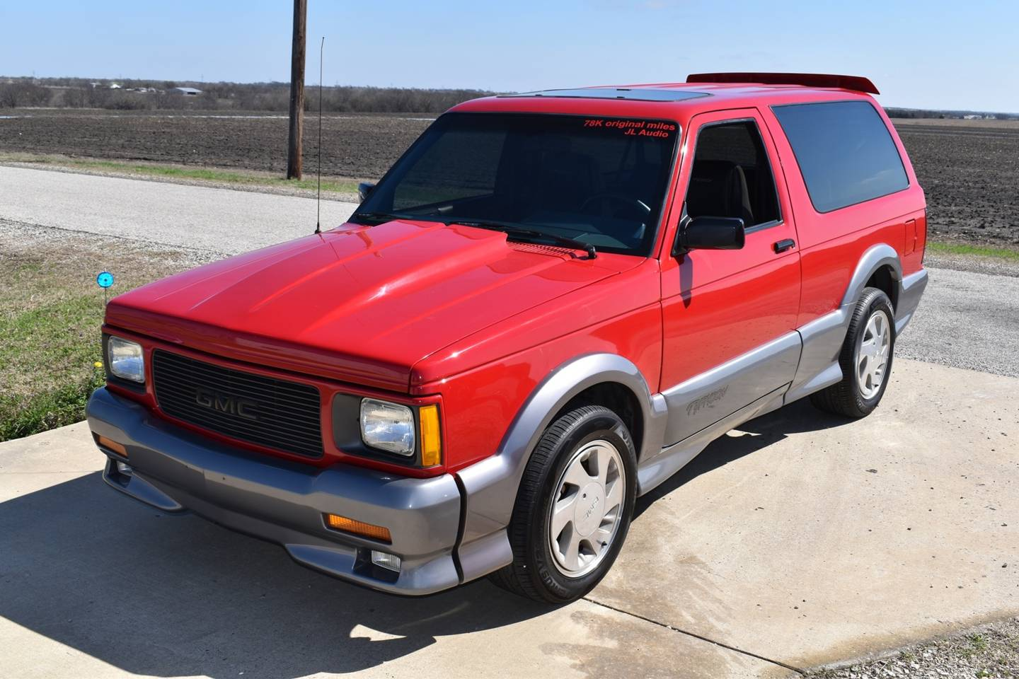 4th Image of a 1992 GMC TYPHOON