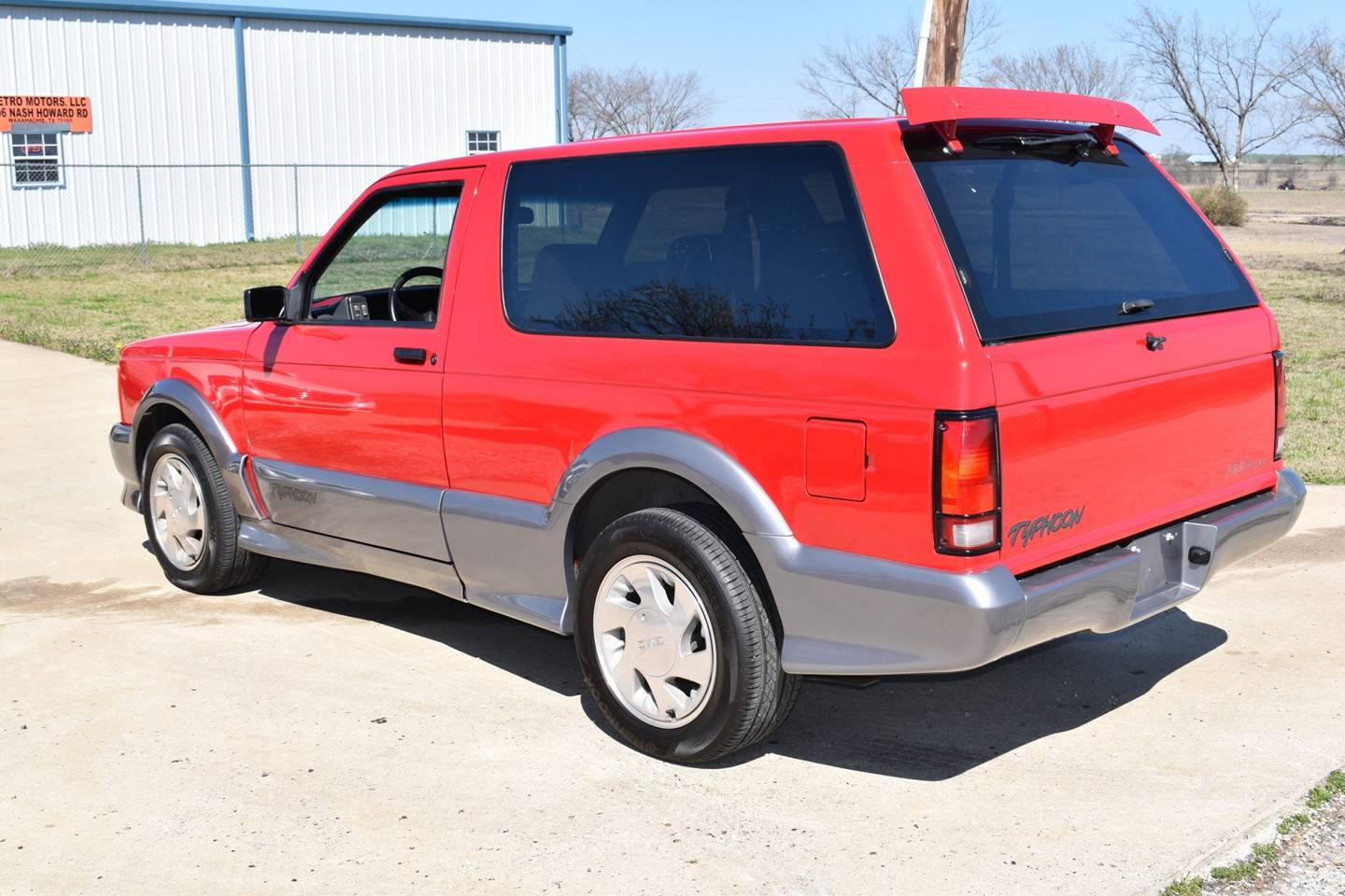 6th Image of a 1992 GMC TYPHOON