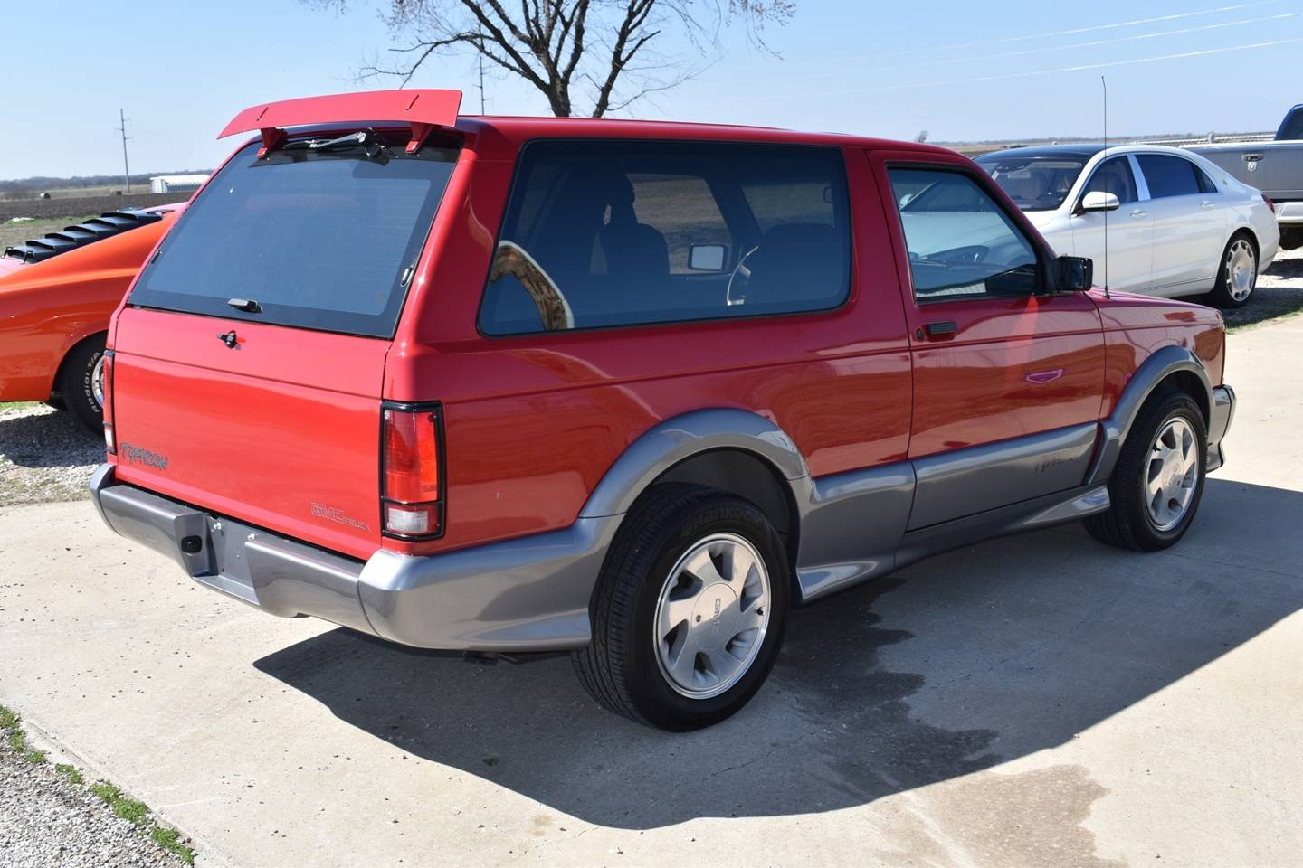 8th Image of a 1992 GMC TYPHOON