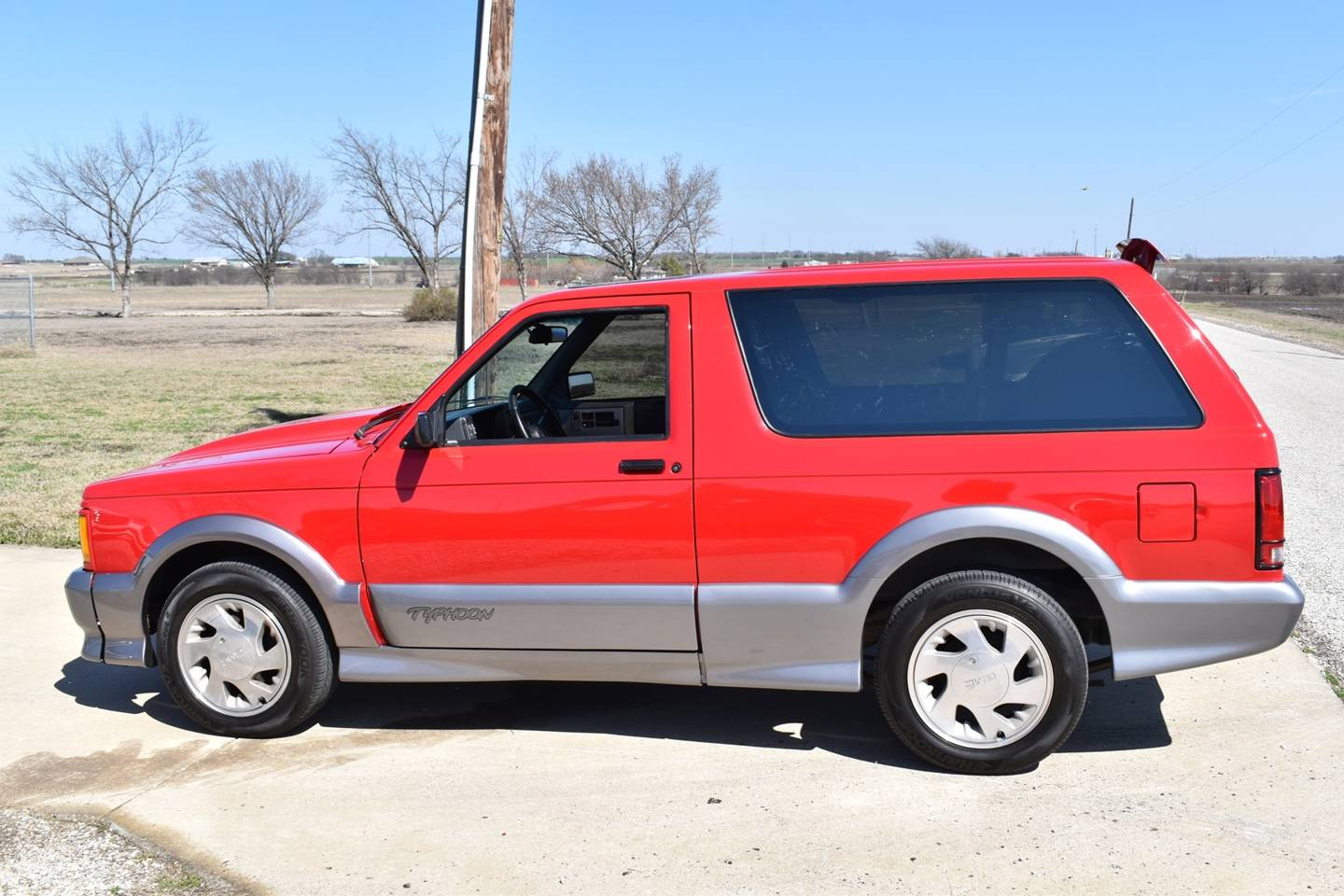 9th Image of a 1992 GMC TYPHOON