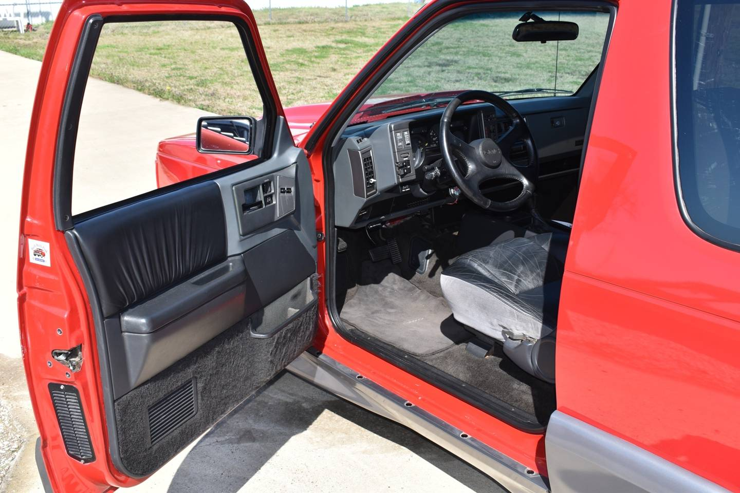 12th Image of a 1992 GMC TYPHOON