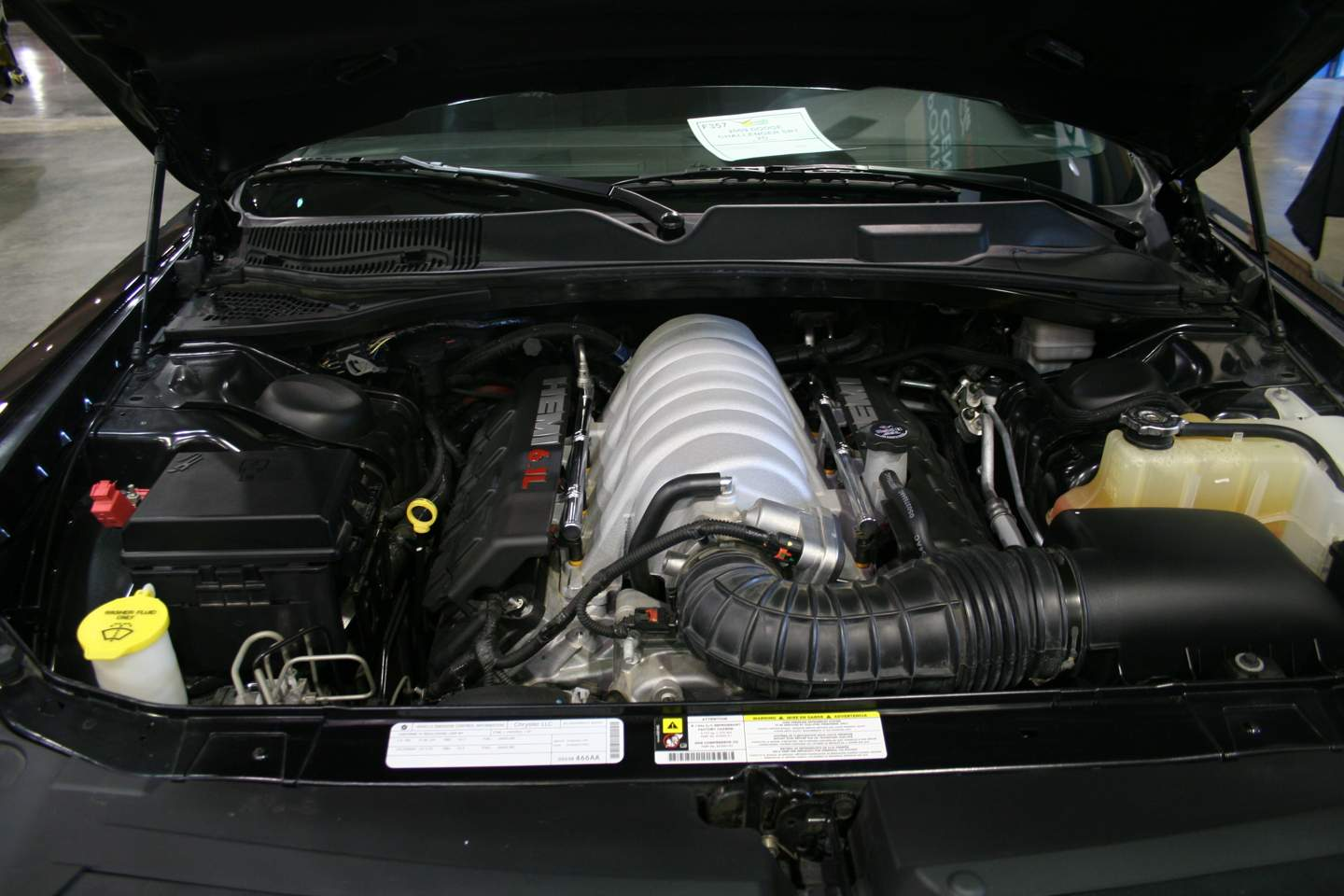 2nd Image of a 2009 DODGE CHALLENGER SRT-8