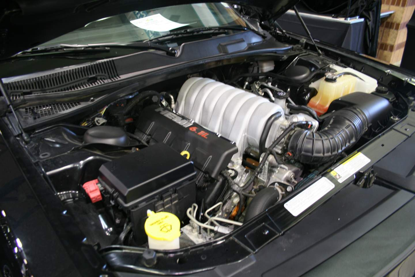 3rd Image of a 2009 DODGE CHALLENGER SRT-8