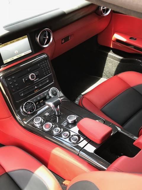 8th Image of a 2011 MERCEDES-BENZ SLS-CLASS SLS AMG