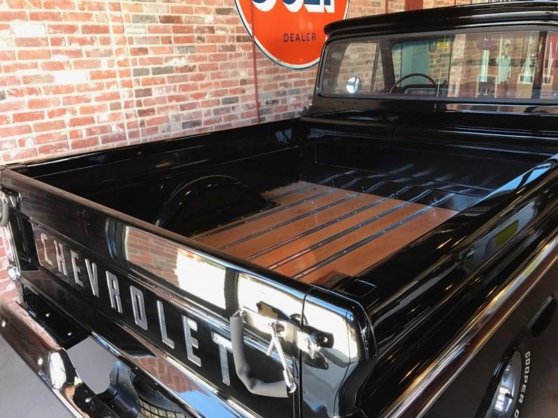 3rd Image of a 1966 CHEVROLET C10