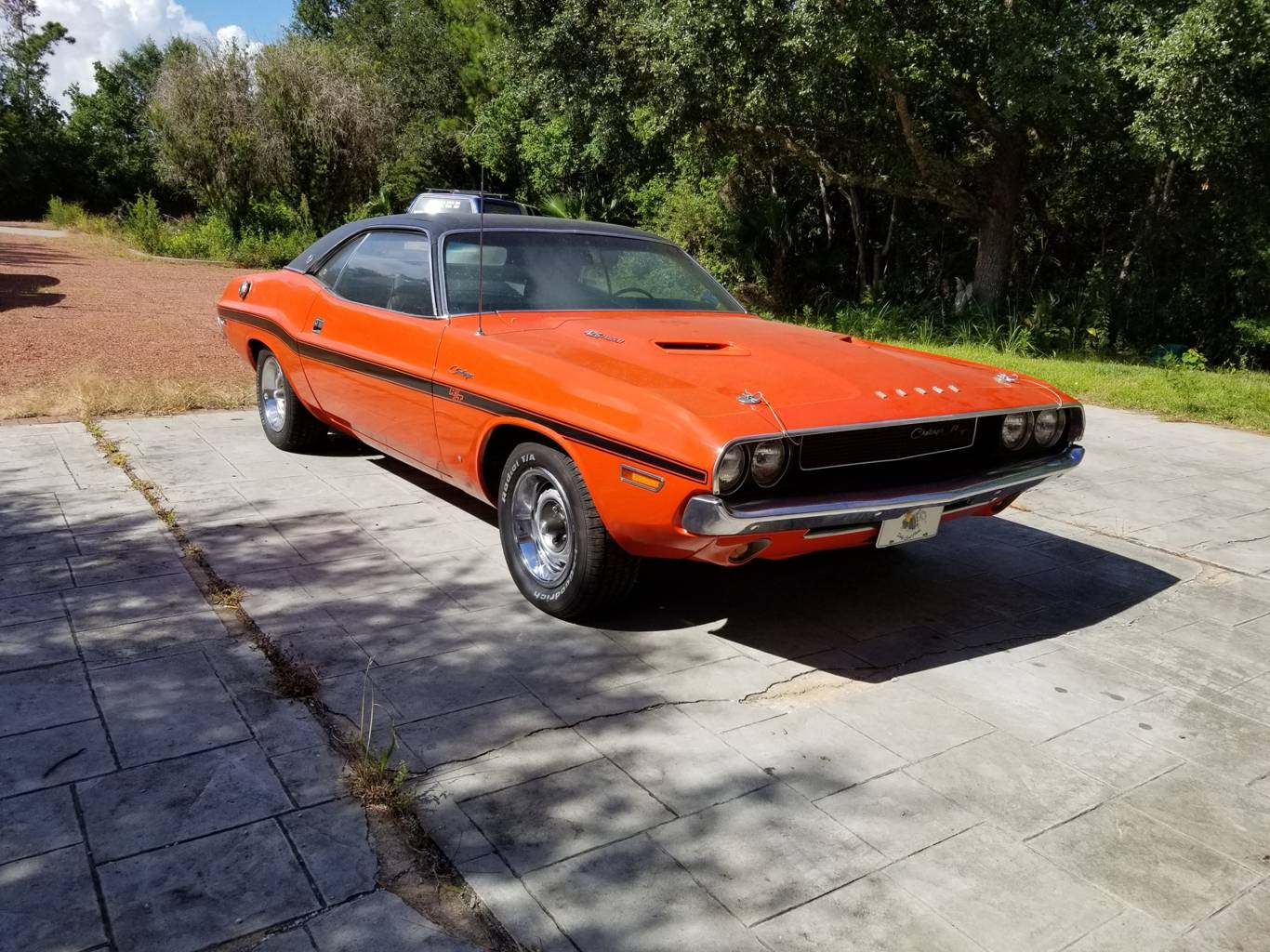 2nd Image of a 1970 DODGE CHALLENGER