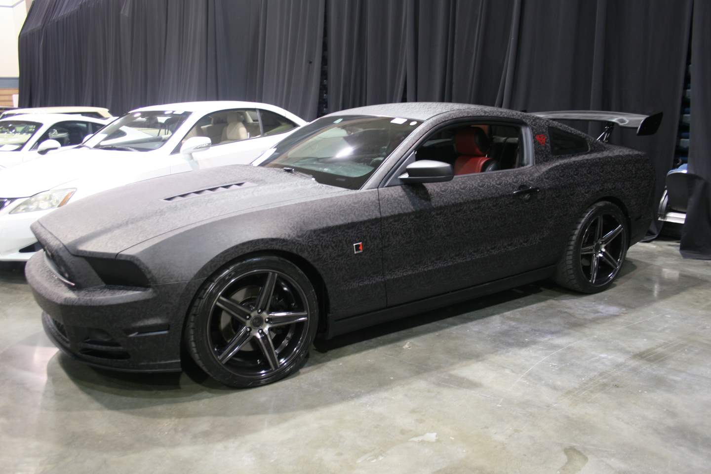 2nd Image of a 2014 FORD MUSTANG GT