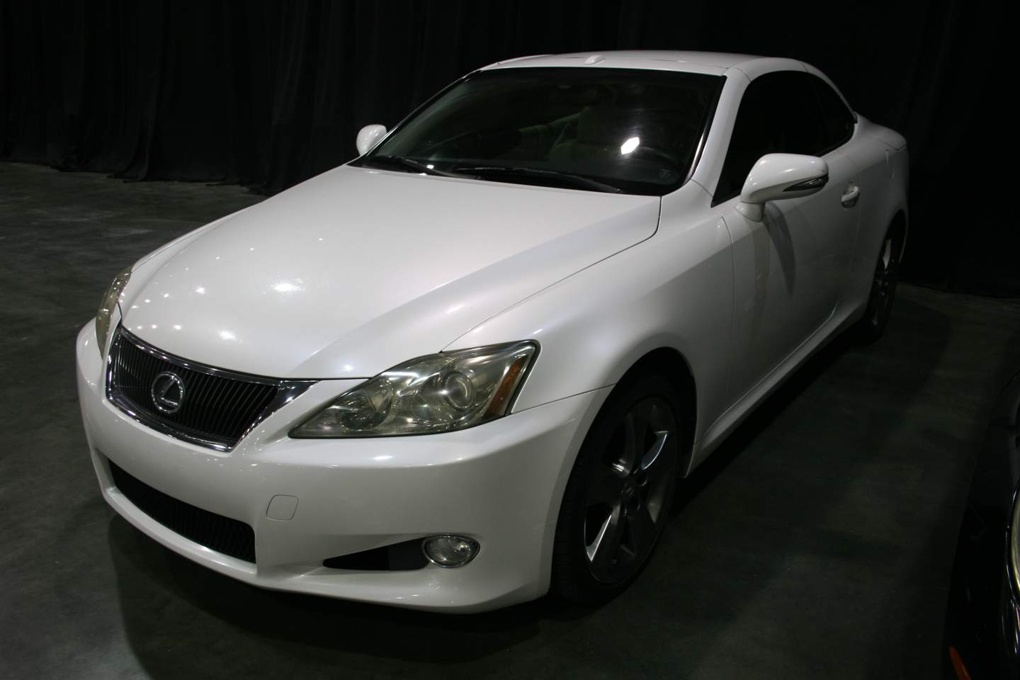2nd Image of a 2010 LEXUS IS 250C
